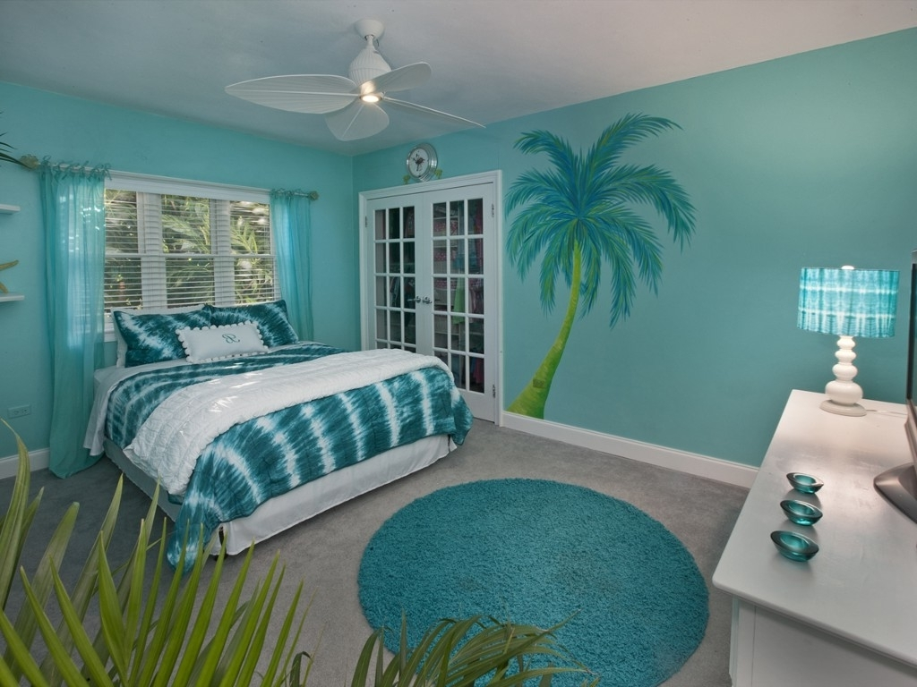 2018 Beach Themed Bedrooms Also With A Beach Bedding Sets Also With A Regarding Beach Wall Art For Bedroom (View 15 of 15)