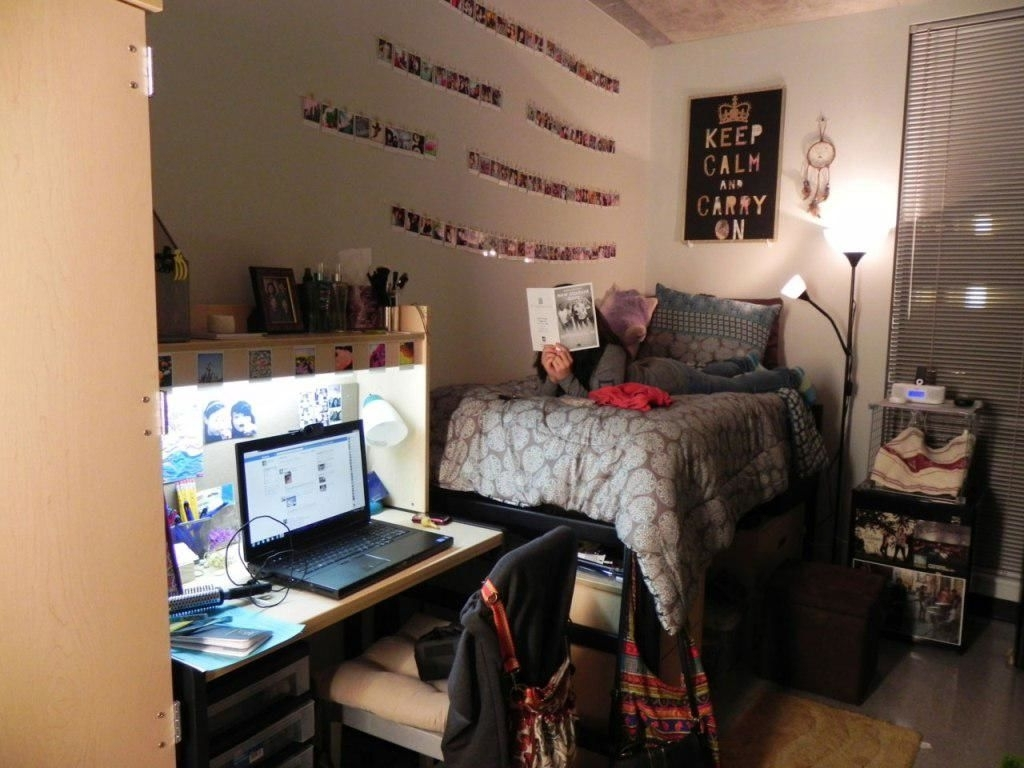 College Dorm Wall Art Throughout Well Known Cute College Dorm Room Ideas – House Design And Planning (View 15 of 15)