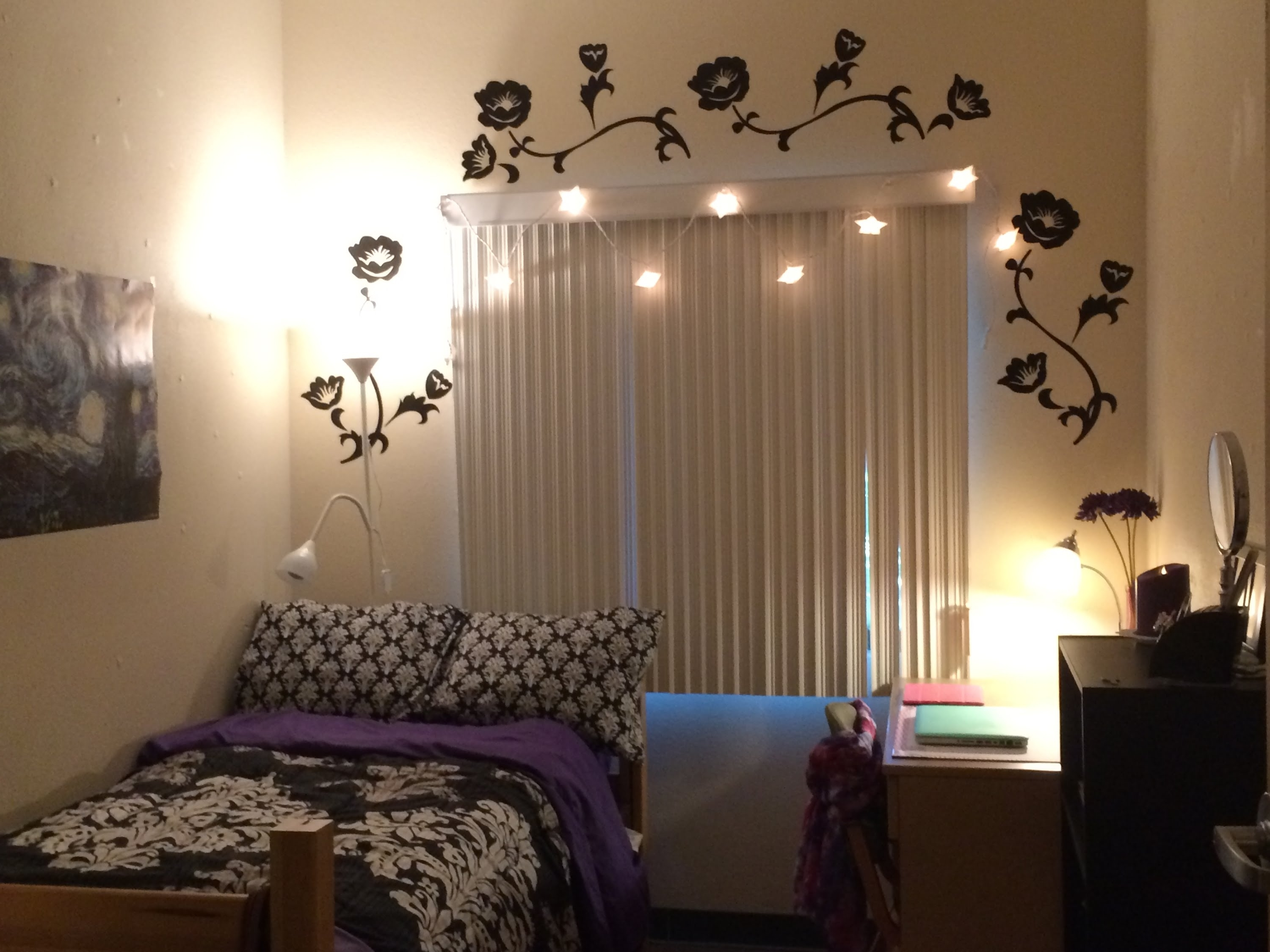 Decorating Ideas For A Dorm Room~my Daughter's Room In College For Fashionable Wall Art For College Dorms (View 9 of 15)