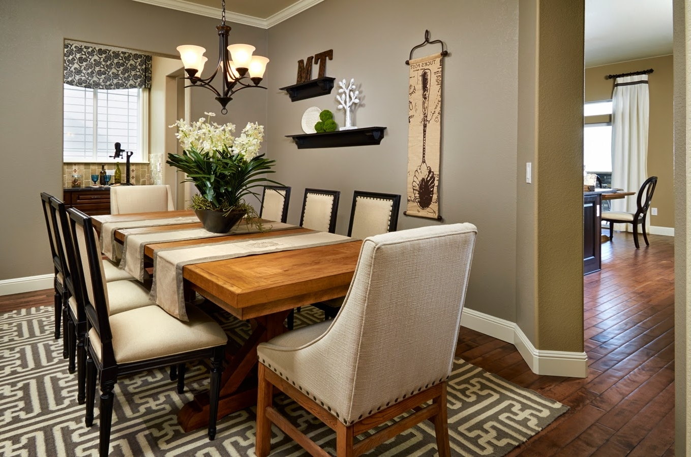 Famous Simple Diy Formal Dining Room Table Centerpieces With Flowers Pertaining To Formal Dining Room Wall Art (View 4 of 15)