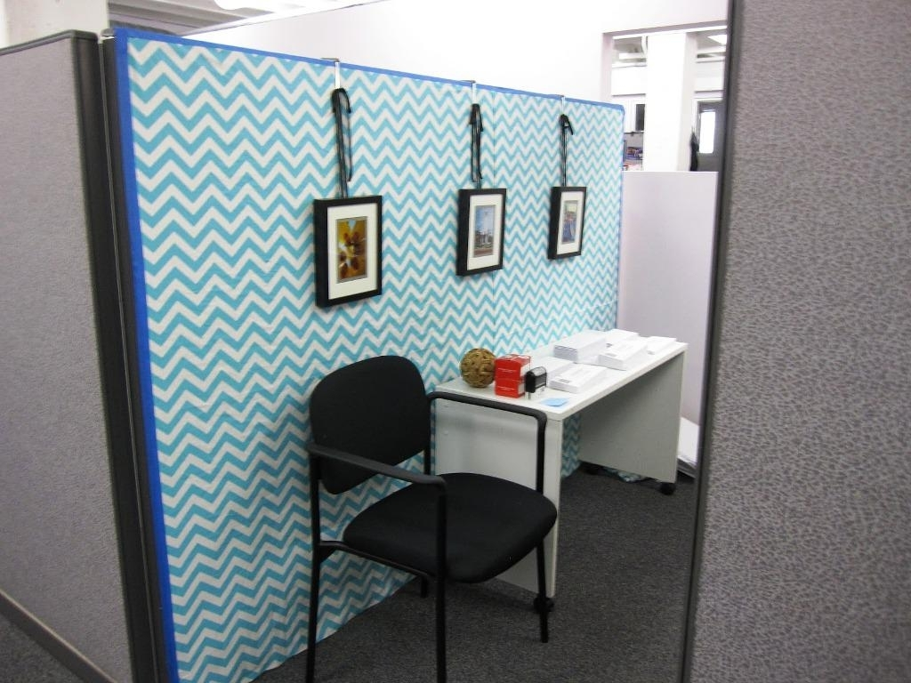 Fashionable Decor: Light Blue Wallpaper Design Ideas With Cubicle Decorations Intended For Cubicle Wall Art (View 6 of 15)