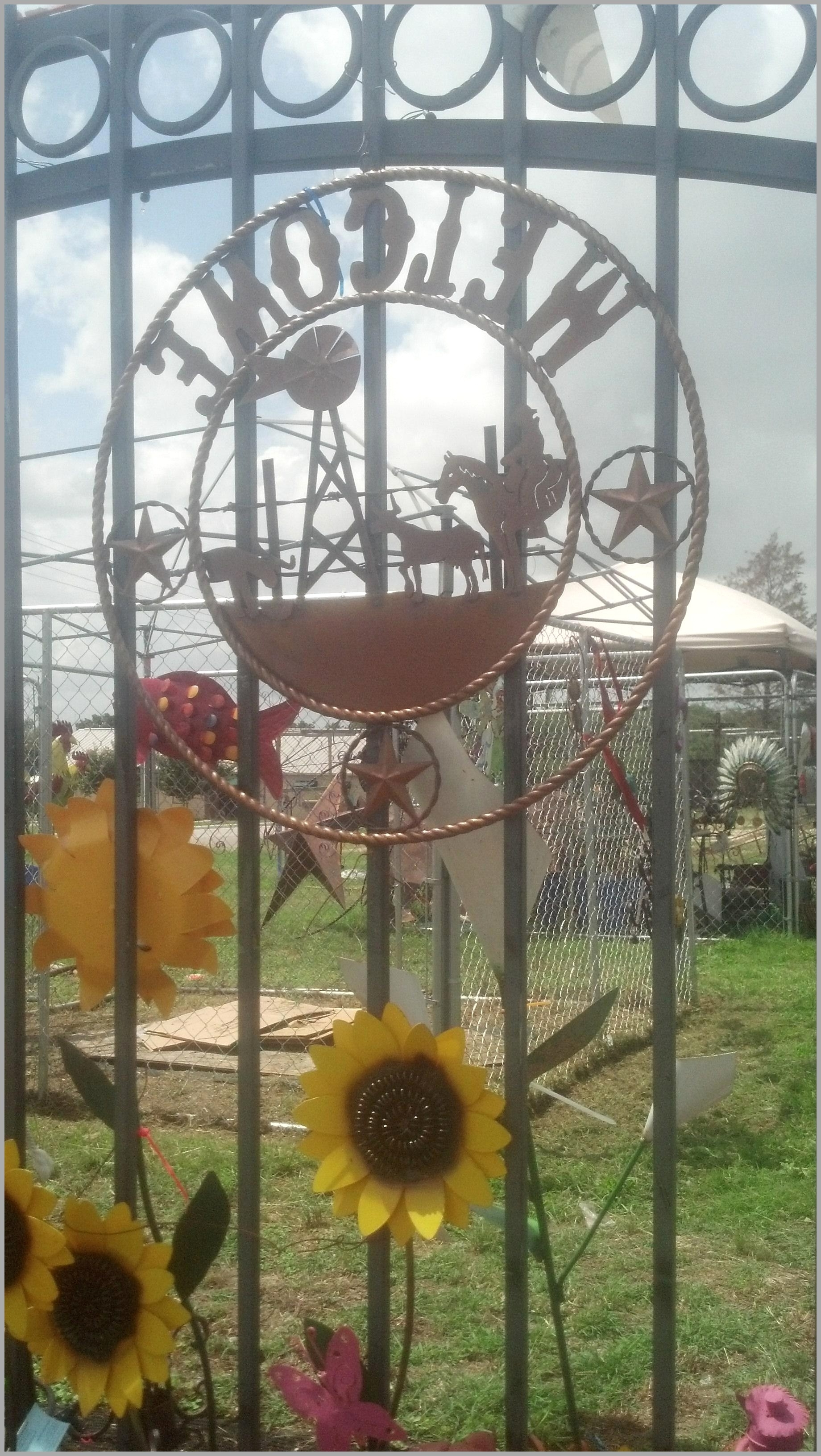 Fashionable Metal Sunflower Yard Art Within Metal Yard Decorations 7513 2018 Latest Metal Sunflower Yard Art (View 5 of 15)