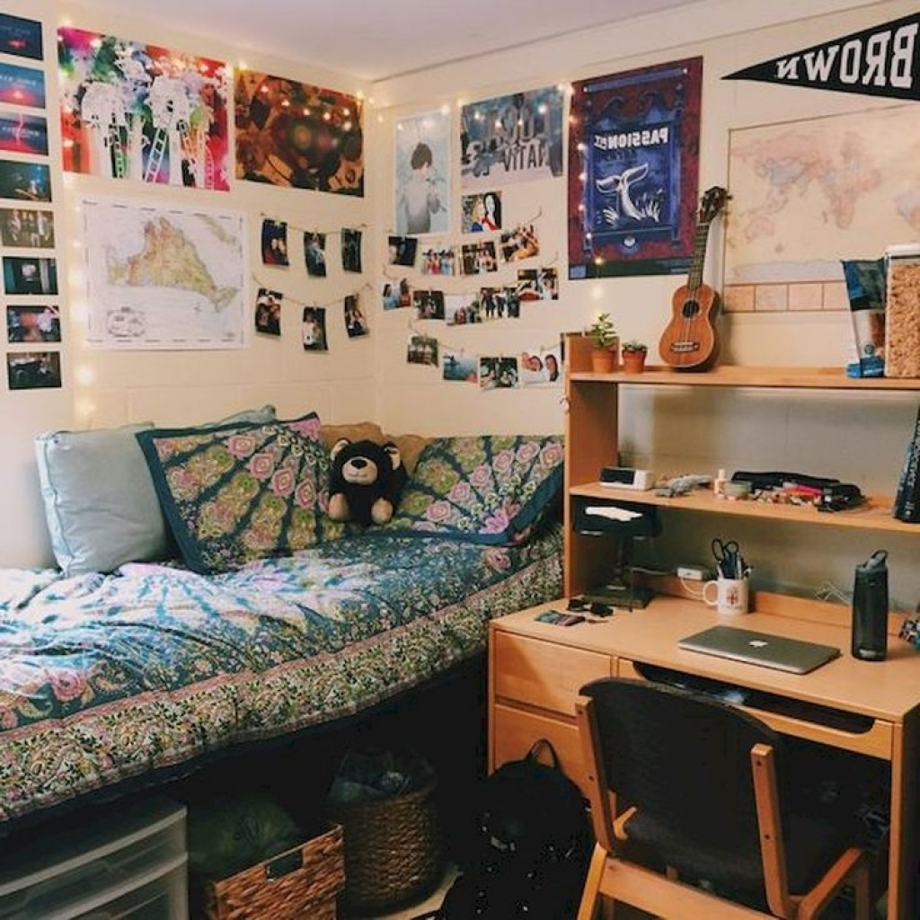 Newest College Dorm Wall Art Within Dorm Wall Decor Ideas Best 25 Dorm Room Ideas On Pinterest College (Gallery 14 of 15)