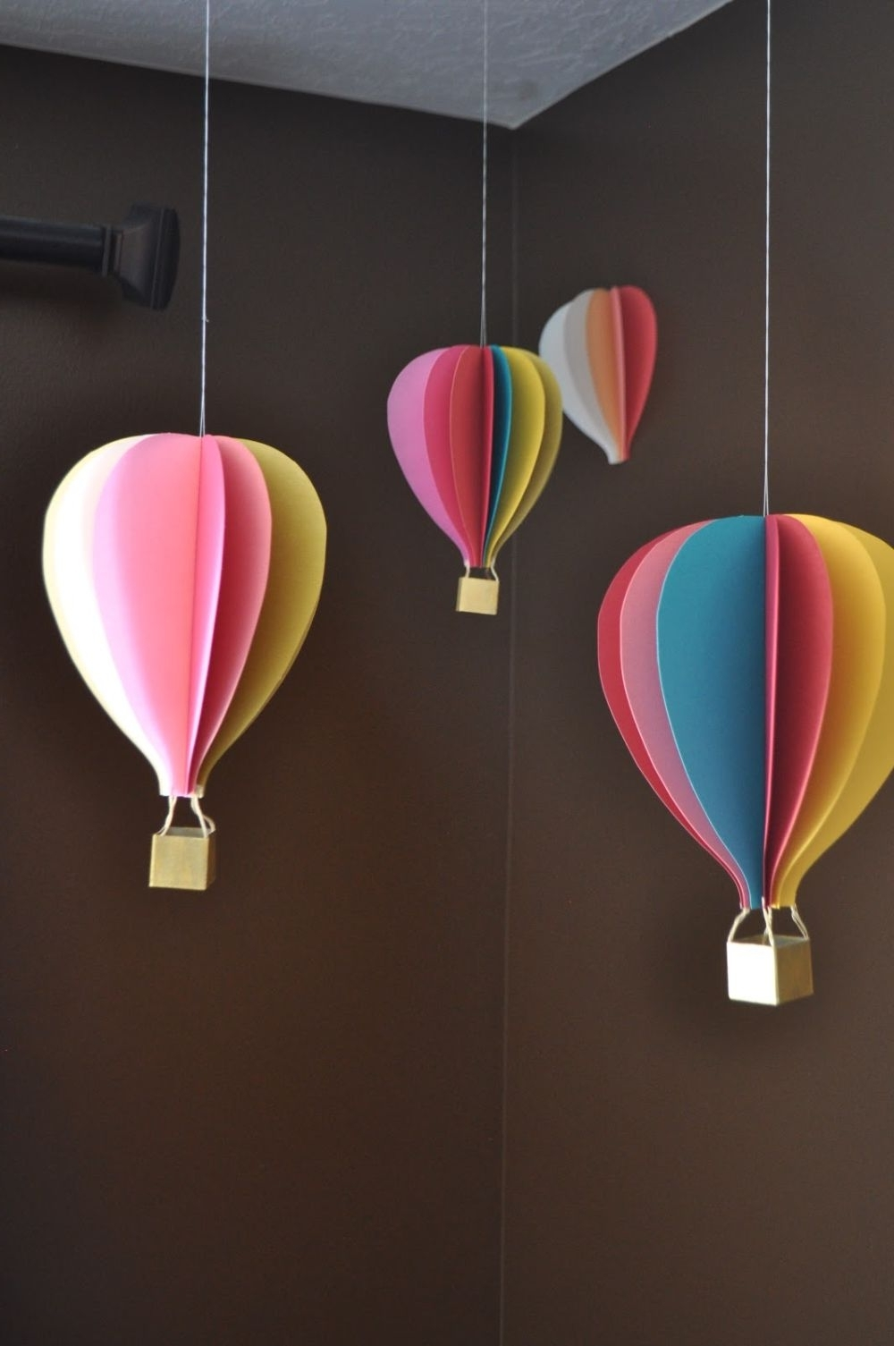 Newest Decorative Balls For Centerpieces, Hot Air Balloon Mobile Hot Air Inside Air Balloon 3d Wall Art (View 7 of 15)