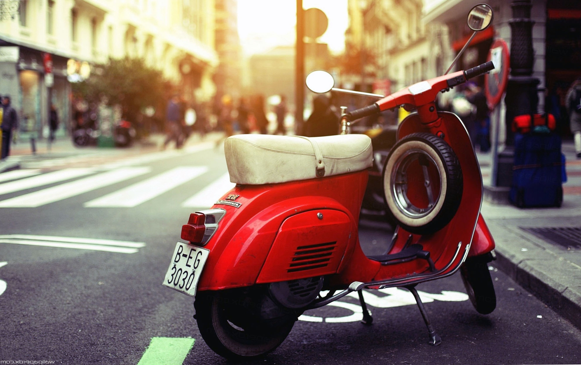 Newest Vespa Wallpaper Background Hd Wallpaper (View 6 of 15)