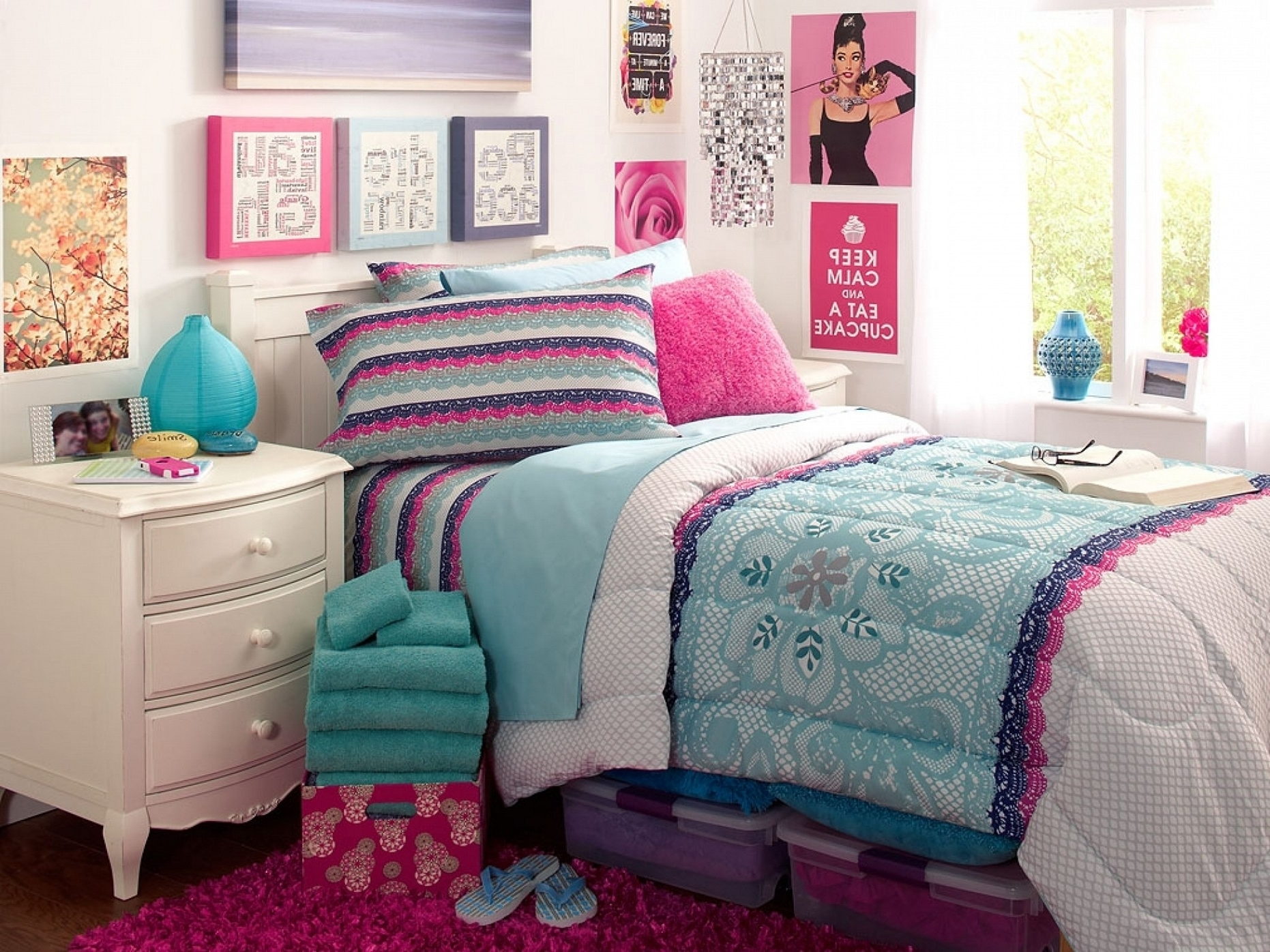 Teenage Wall Art In Well Liked Bedrooms : Room Decor Ideas For Teenage Girl Bedroom Design Ideas (View 12 of 15)