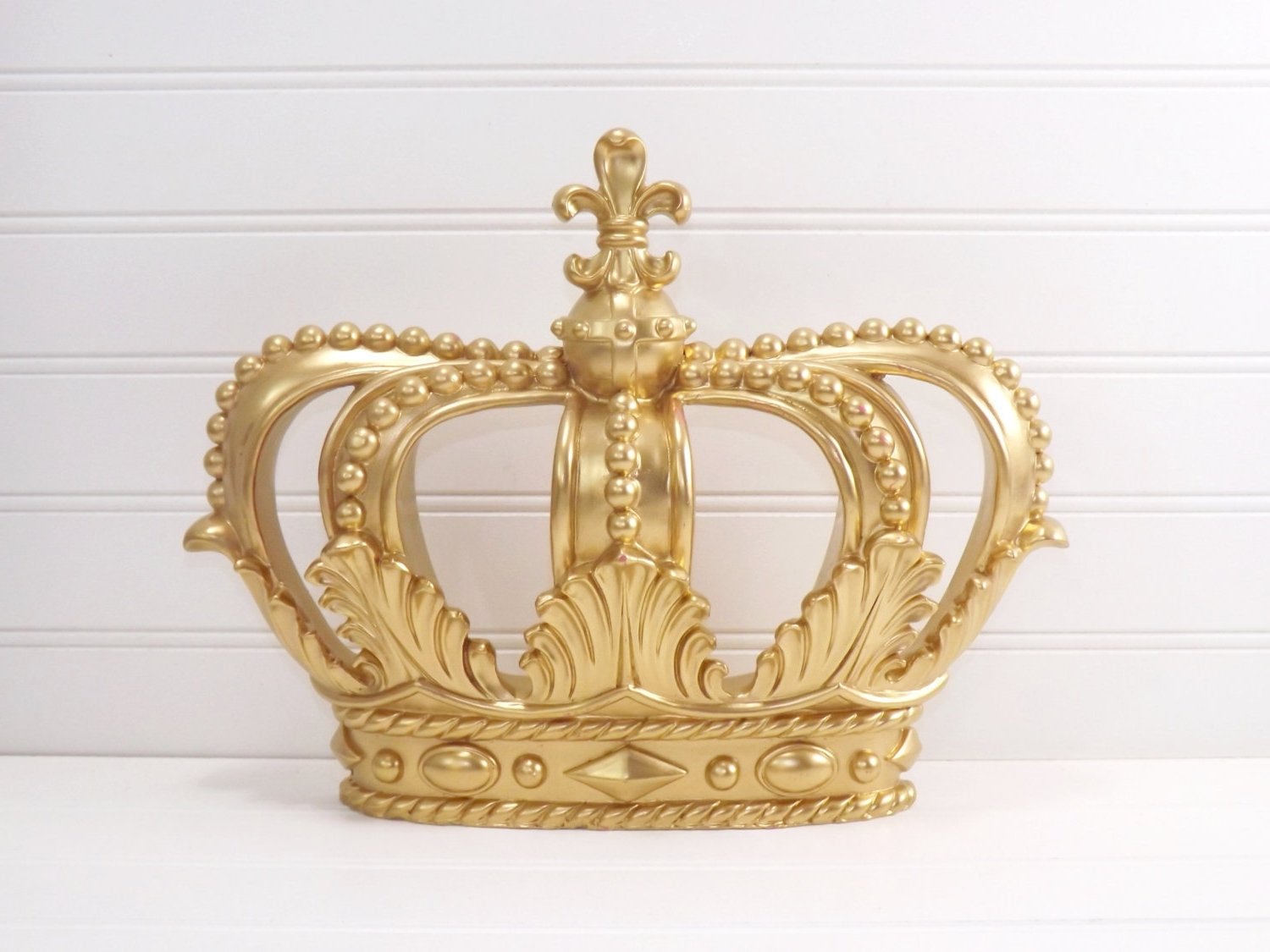 Well Known Crown Wall Decor (Gallery 7 Of 15)