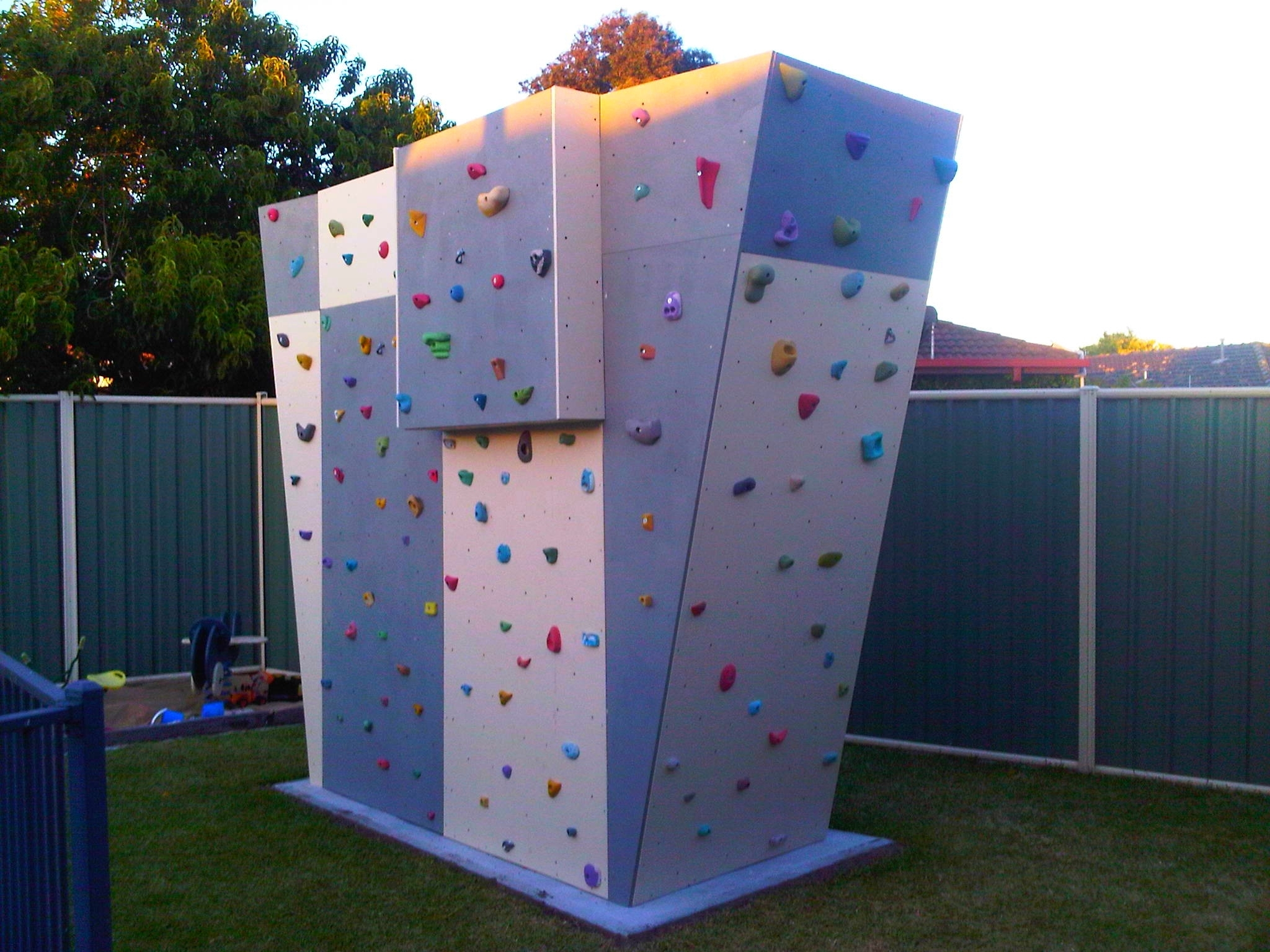Well Known Home Bouldering Wall Design Intended For Outside, Exterior Home Climbing Walls (View 14 of 15)