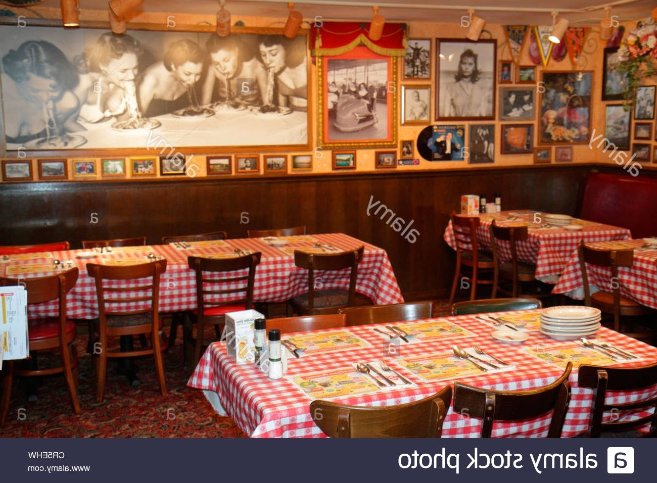 Well Liked Italian Bistro Wall Art With Italian Restaurant Interior Stock Photos & Italian Restaurant (View 13 of 15)