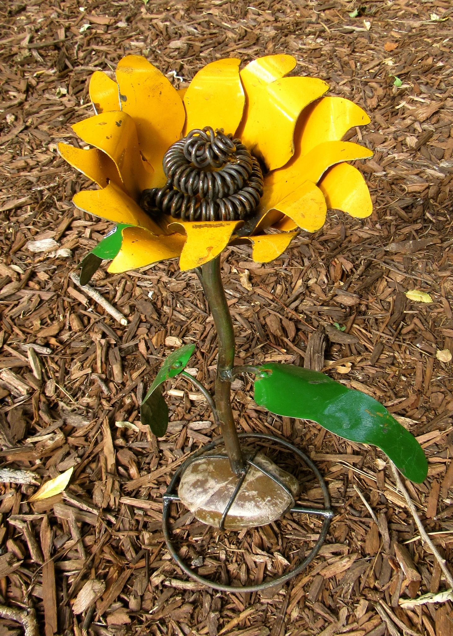 Yard Art, Sunflowers And Yards (Gallery 3 of 15)