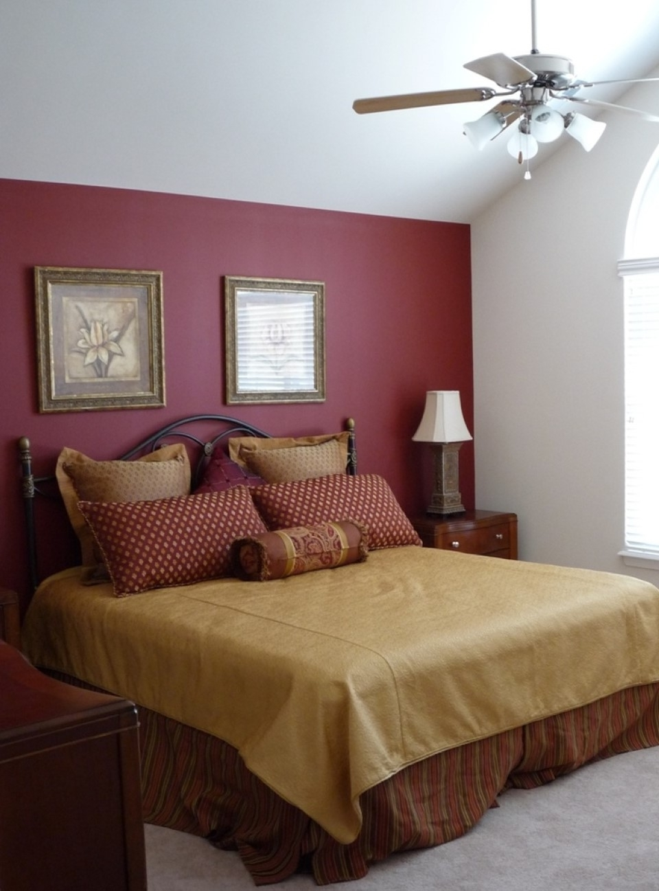 Burgundy Accent Wall: Pretty Bedroom For Maroon Wall Accents (Gallery 1 of 15)