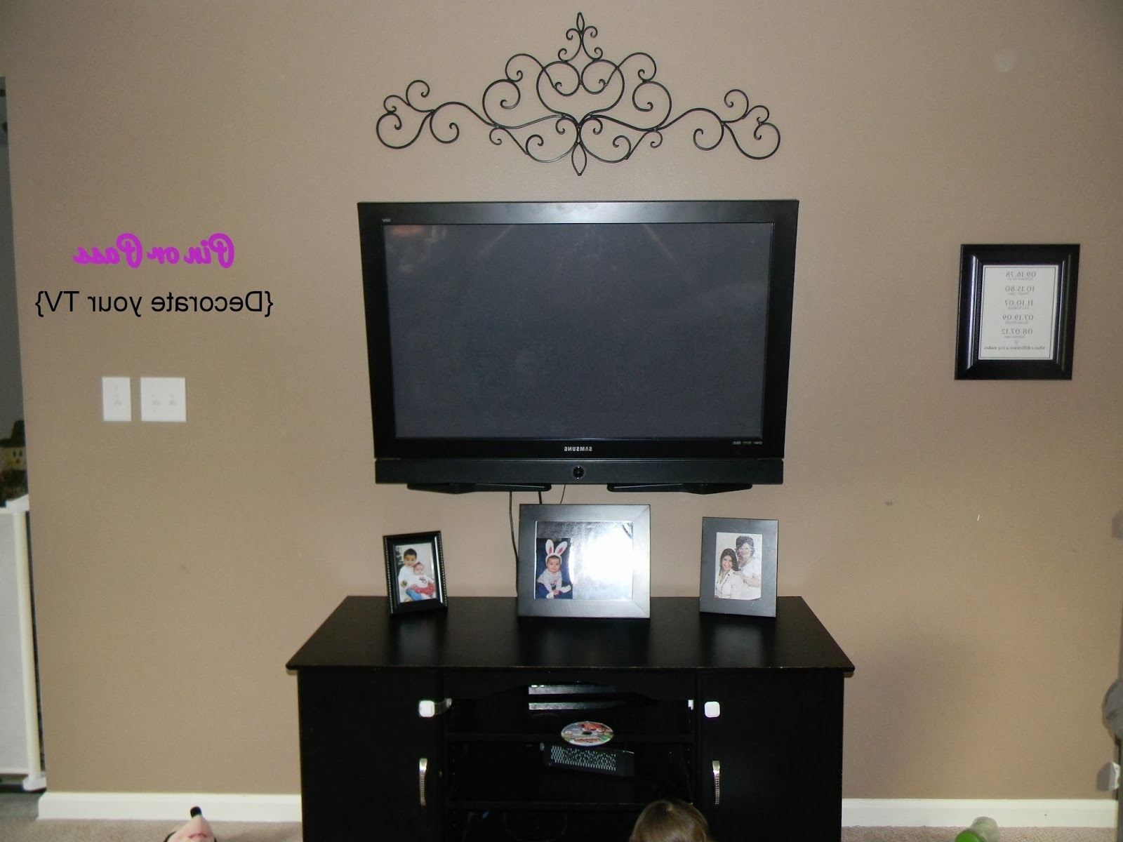 Famous Wall Accents Behind Tv Intended For Stunning Decorate Wall Behind Superb Wall Decor Above Tv – Wall (View 6 of 15)
