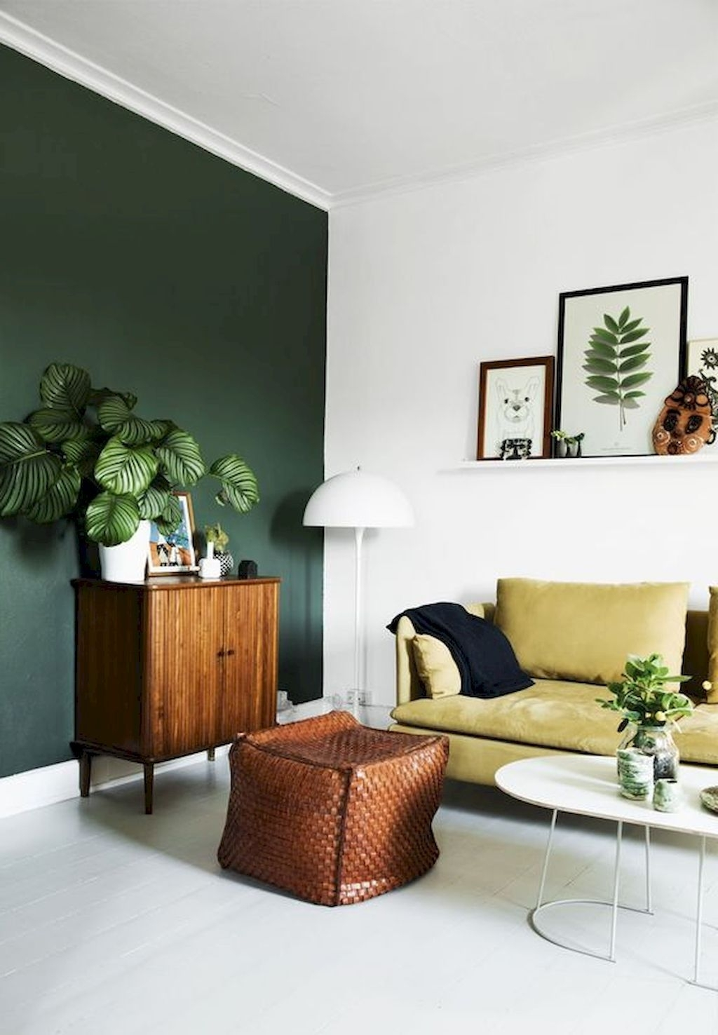 Living Room Design Green: 15 Photos Green Wall Accents