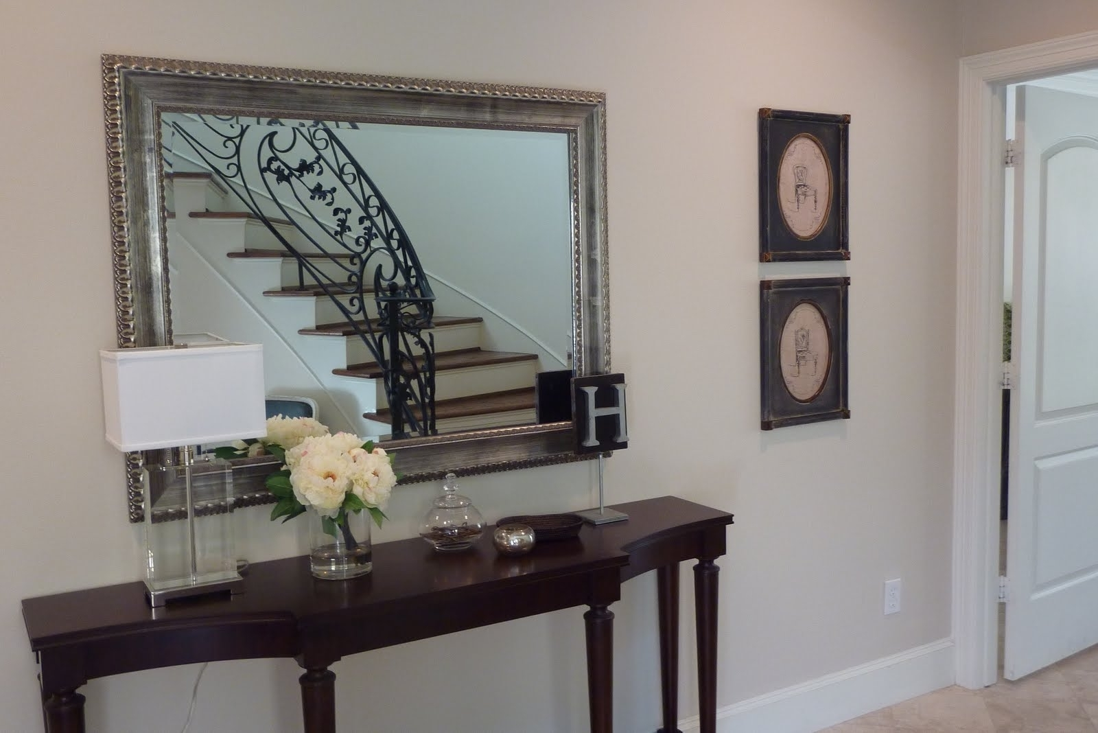 Most Current Entryway Wall Accents Pertaining To Decorating Entryways Walls – Davotanko Home Interior (View 11 of 15)