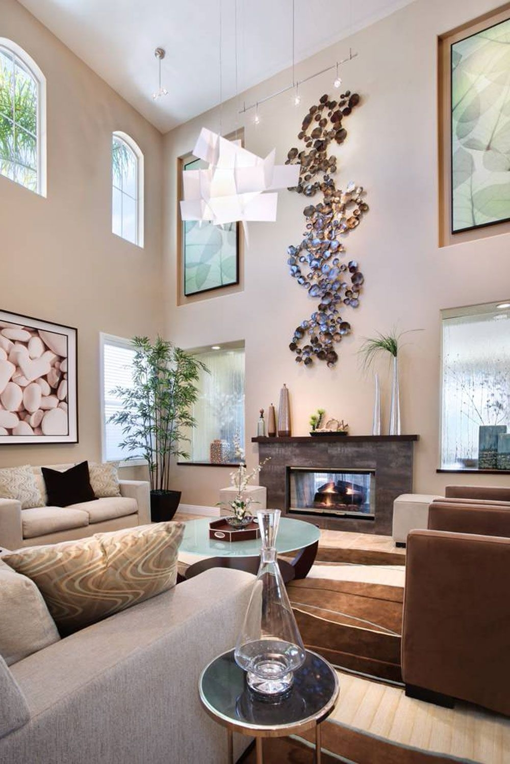 Featured Photo of High Ceiling Wall Accents