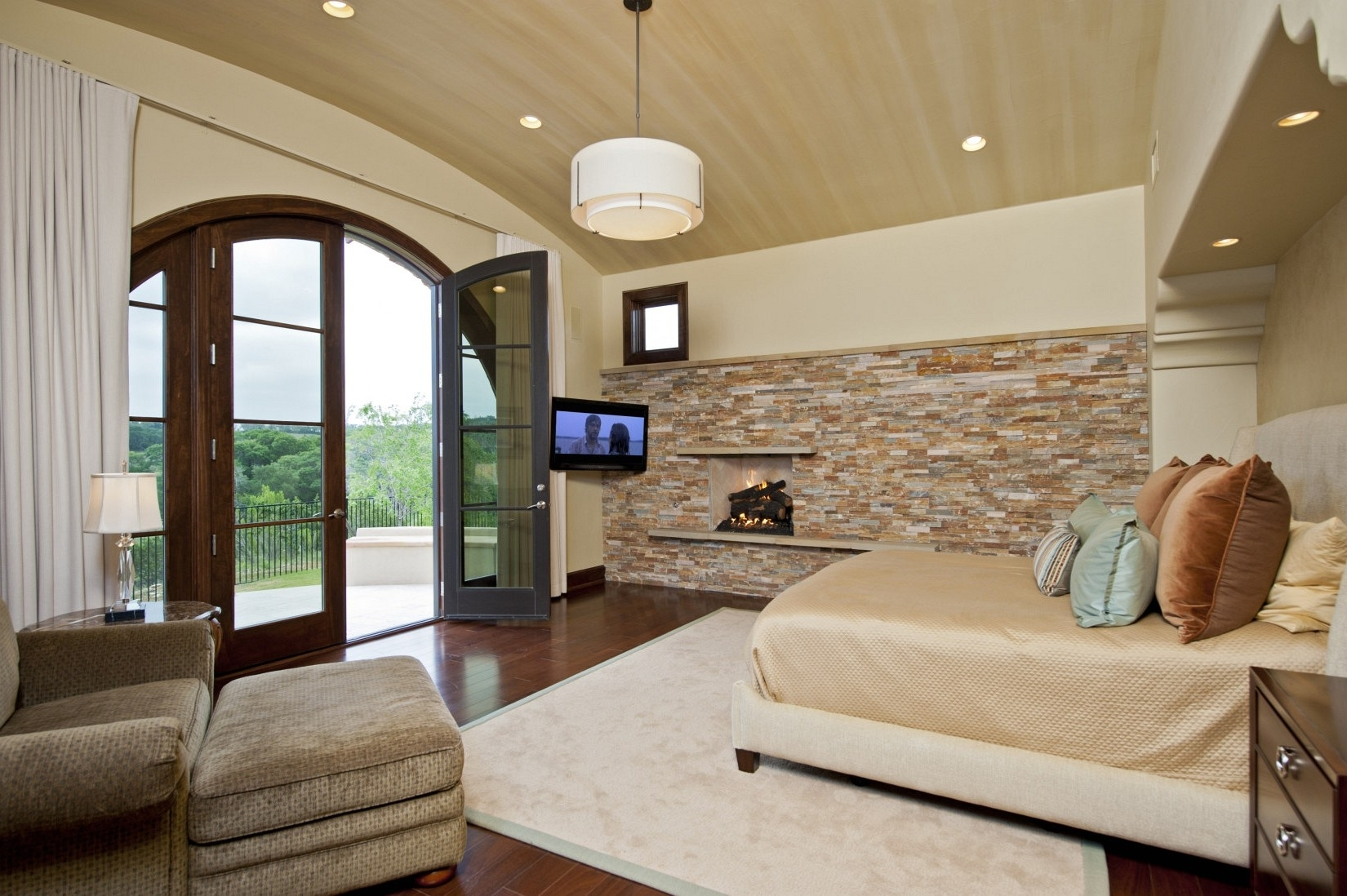 Most Recently Released Blue Paint On The Wall Accent Wall Ideas For Living Room Brown Inside Brown Wall Accents (View 13 of 15)