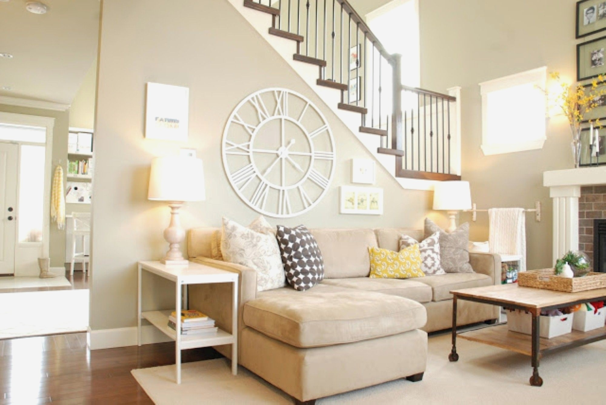 Neutral Living Room With Newest Neutral Color Wall Accents (Gallery 13 of 15)