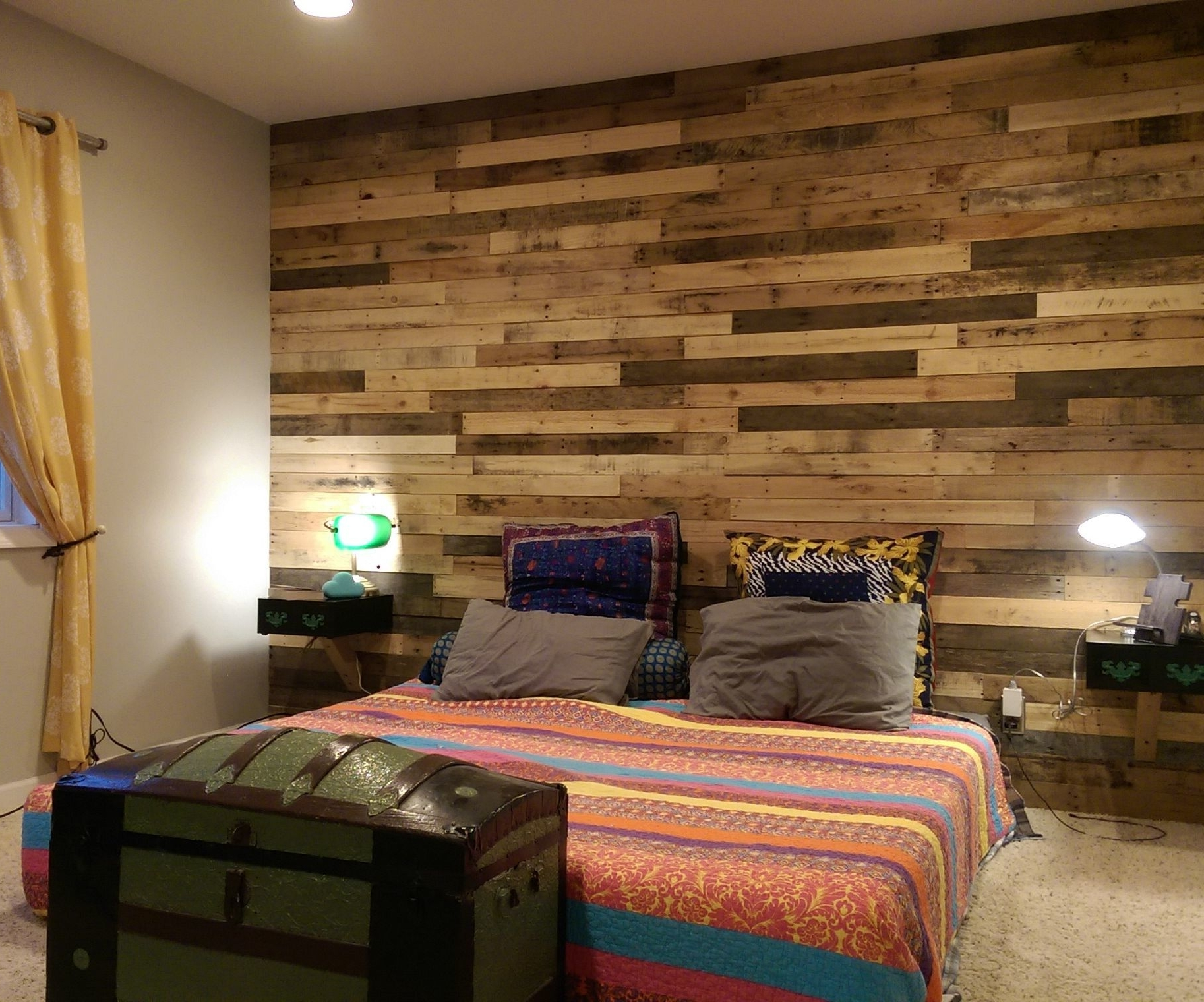 Pallet Accent Wall: 4 Steps (With Pictures) In Famous Wall Accents For Bedroom (View 9 of 15)