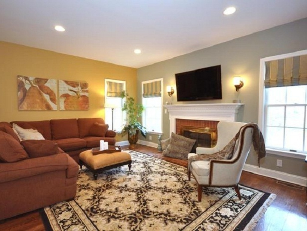 Traditional Carpet With Brown L Shaped Sectional Sofa For Modern In Recent Wall Accents For L Shaped Room (View 10 of 15)