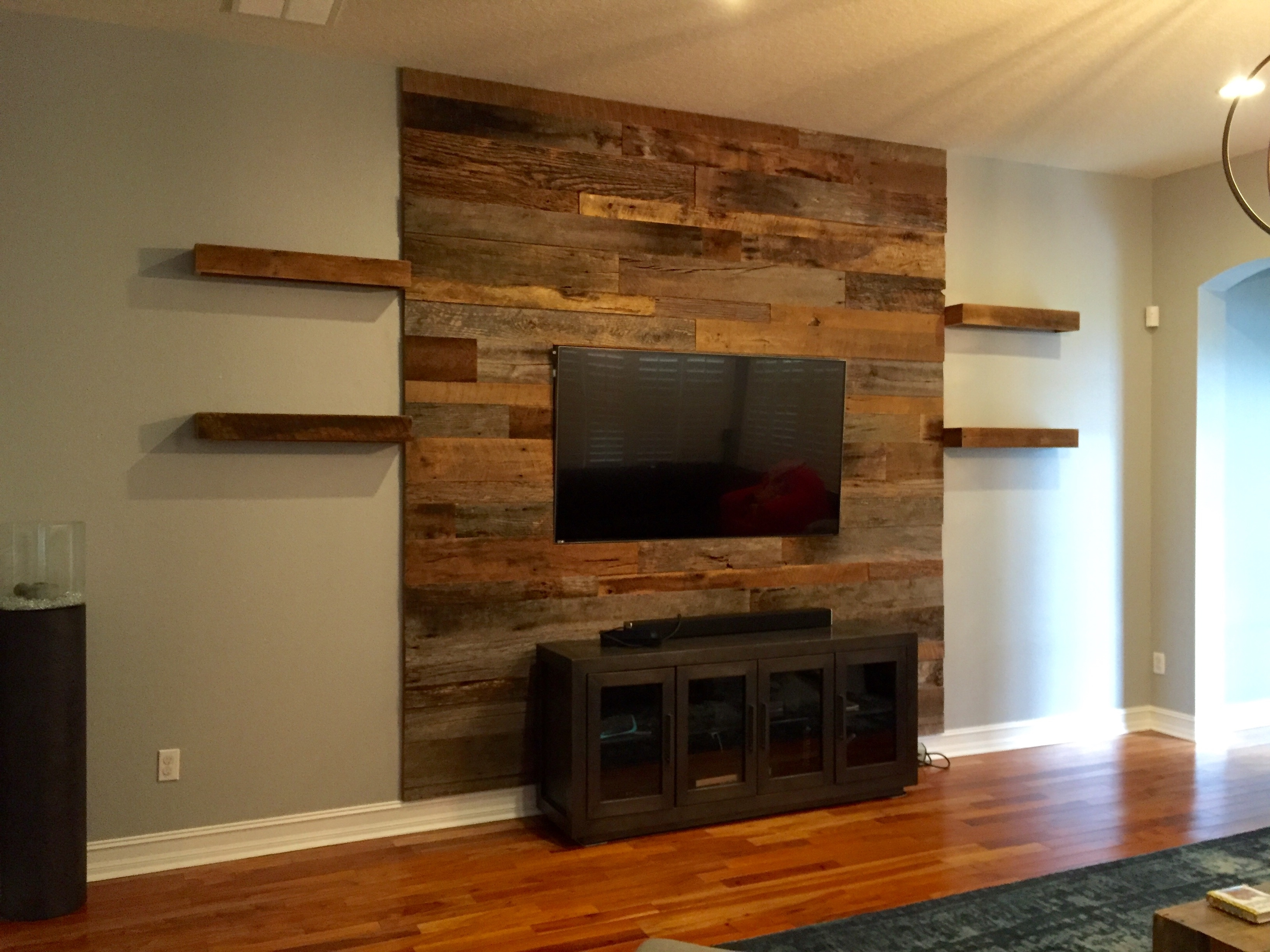 Trevor's Reclaimed Barn Wood Accent Wall With Shelving (View 12 of 15)