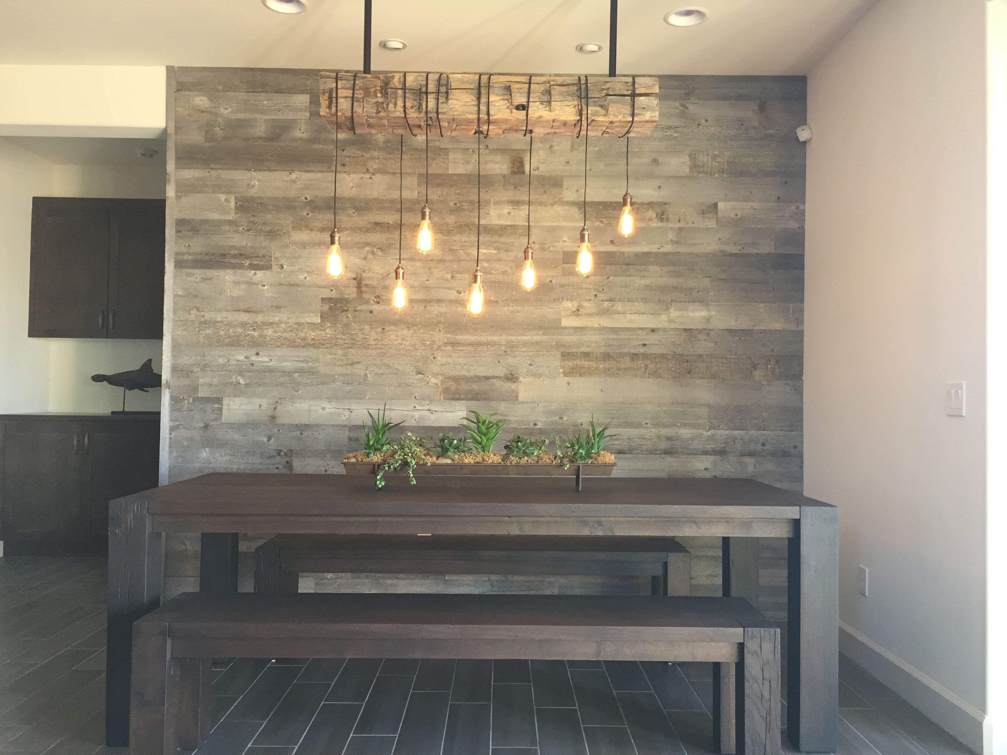 Wall With Reclaimed Wood Wall Accents (View 13 of 15)