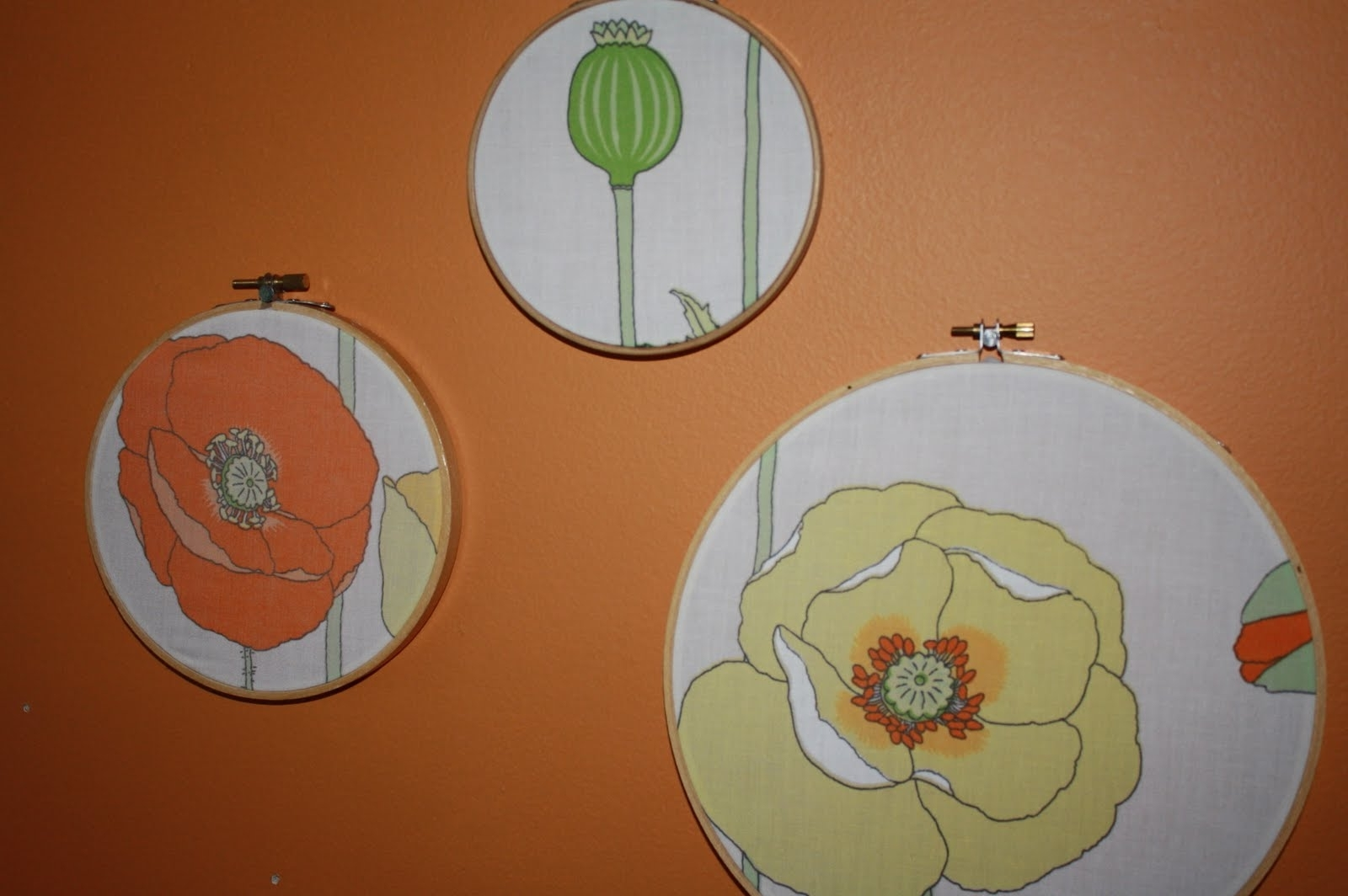 Whimsie Dots: A Simple No Sew Fabric Wall Art – Super Tech Regarding Well Known No Sew Fabric Wall Art (View 11 of 15)