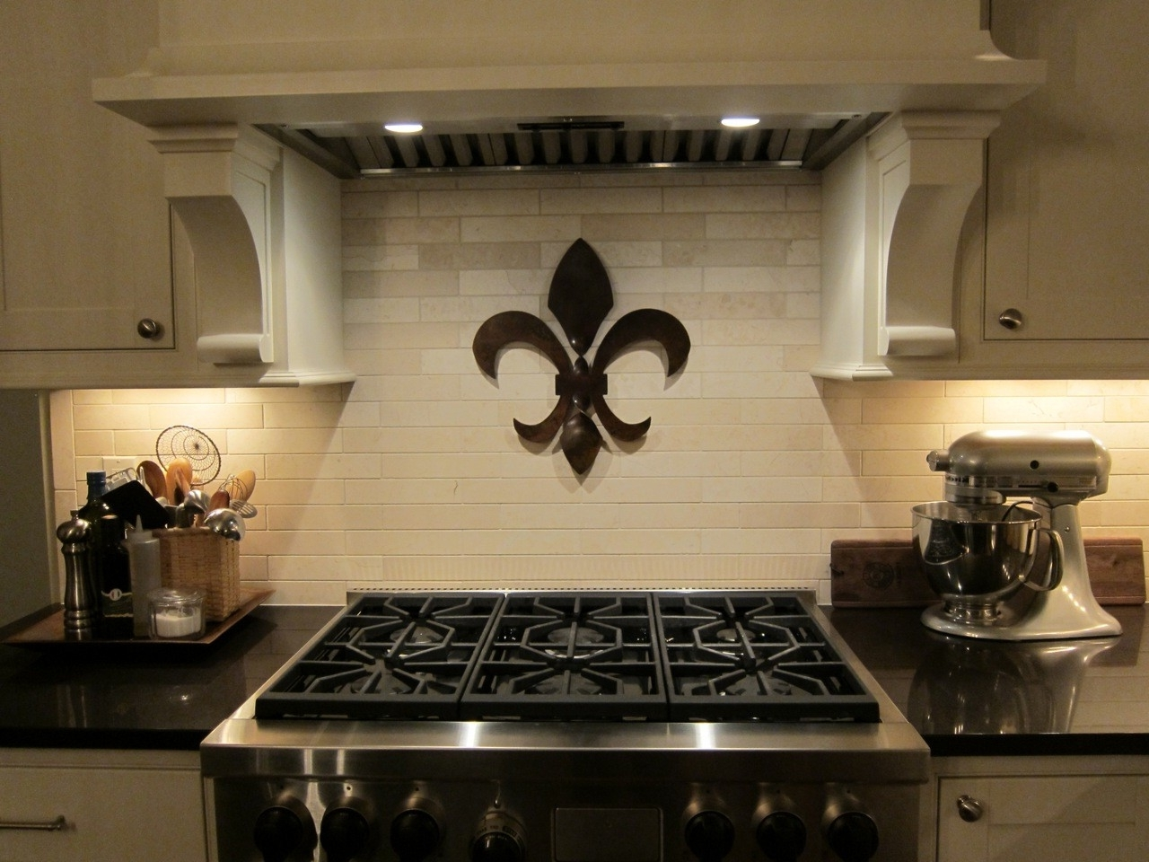 Favorite Fleur De Lis Wall Art Throughout Best Fleur De Lis Wall Decor — Charter Home Ideas : How To Decorate (View 18 of 20)
