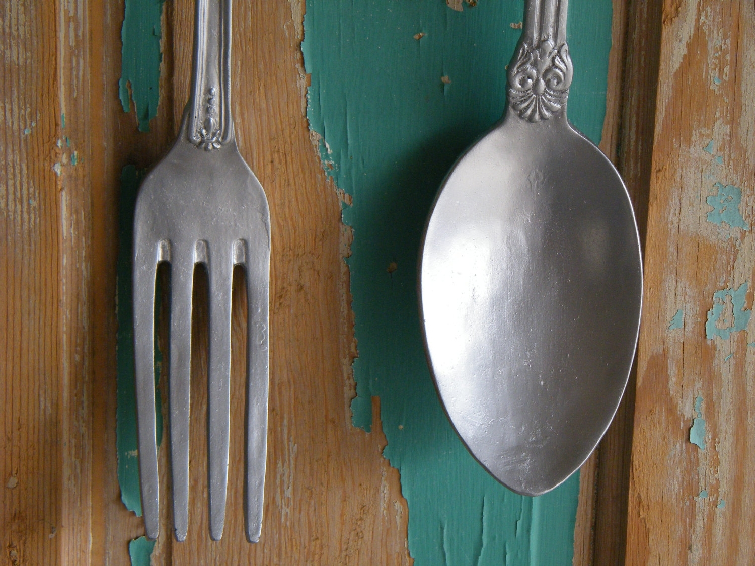 Fork And Spoon Wall Art With Regard To Fashionable Wall Art Oversize Fork Spoon Chrome Silver Morrelldecor – Home (View 6 of 20)
