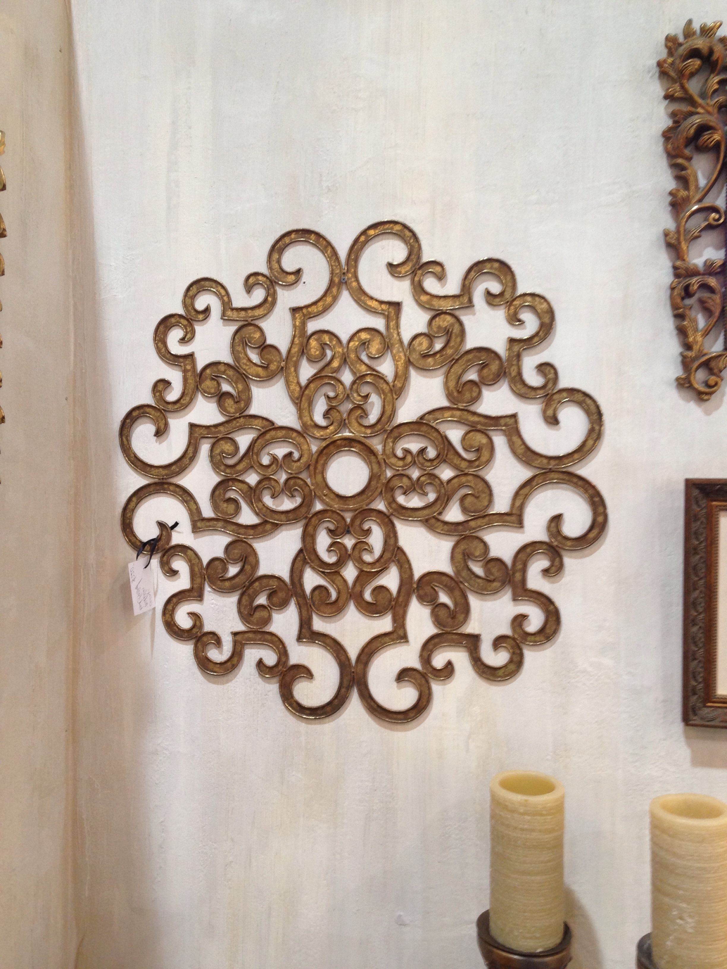 Inspiring Interiors Within Favorite Medallion Wall Art (View 19 of 20)