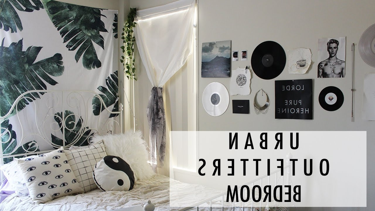 Popular Urban Outfitters Bedroom Designs And Decor Wall Art Tapestry Ying Regarding Urban Outfitters Wall Art (View 8 of 20)