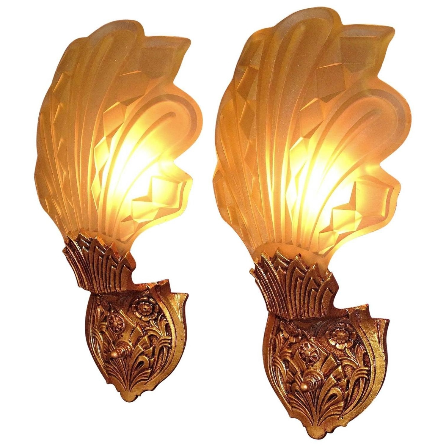 Well Known Late 1920S Early 1930S Art Deco Wall Sconces For Sale At 1Stdibs Pertaining To Art Deco Wall Sconces (View 17 of 20)