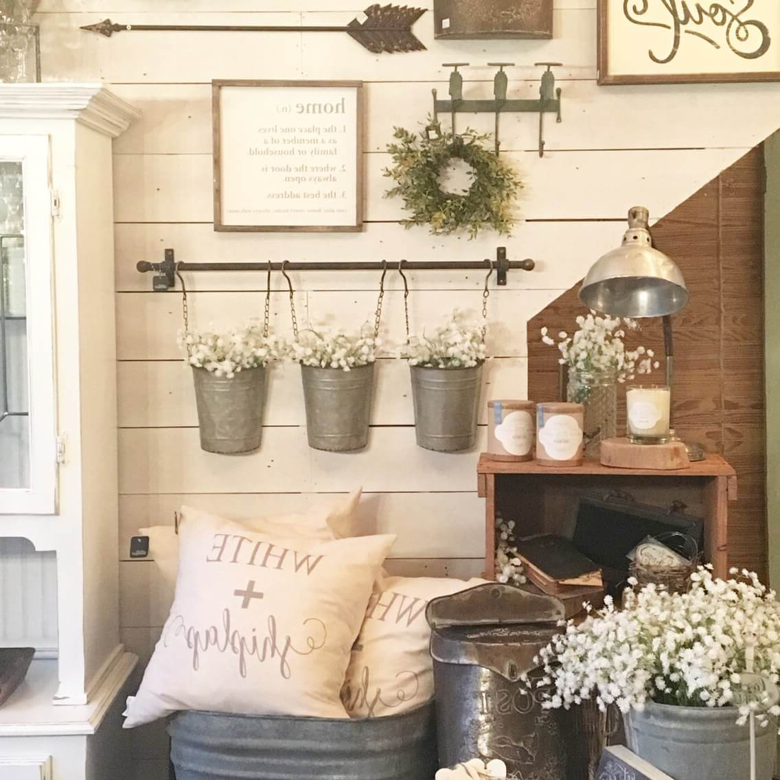 2020 Farm Metal Wall Rack And 3 Tin Pot With Hanger Wall Decor Intended For 45+ Best Farmhouse Wall Decor Ideas And Designs For 2019 (Gallery 9 of 20)
