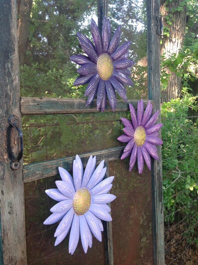 2020 Metal Flower Wall Art Shades Of Purple Set Of 3 Daisies (Gallery 11 of 20)