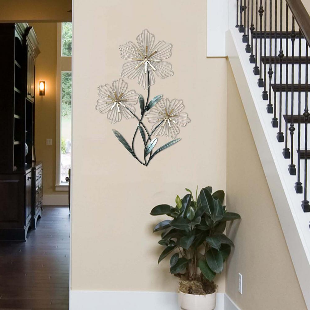 Current Stratton Home Decor Stratton Home Decor Tri Flower Wall Decor Intended For Metal Leaf Wall Decor By Red Barrel Studio (View 11 of 20)