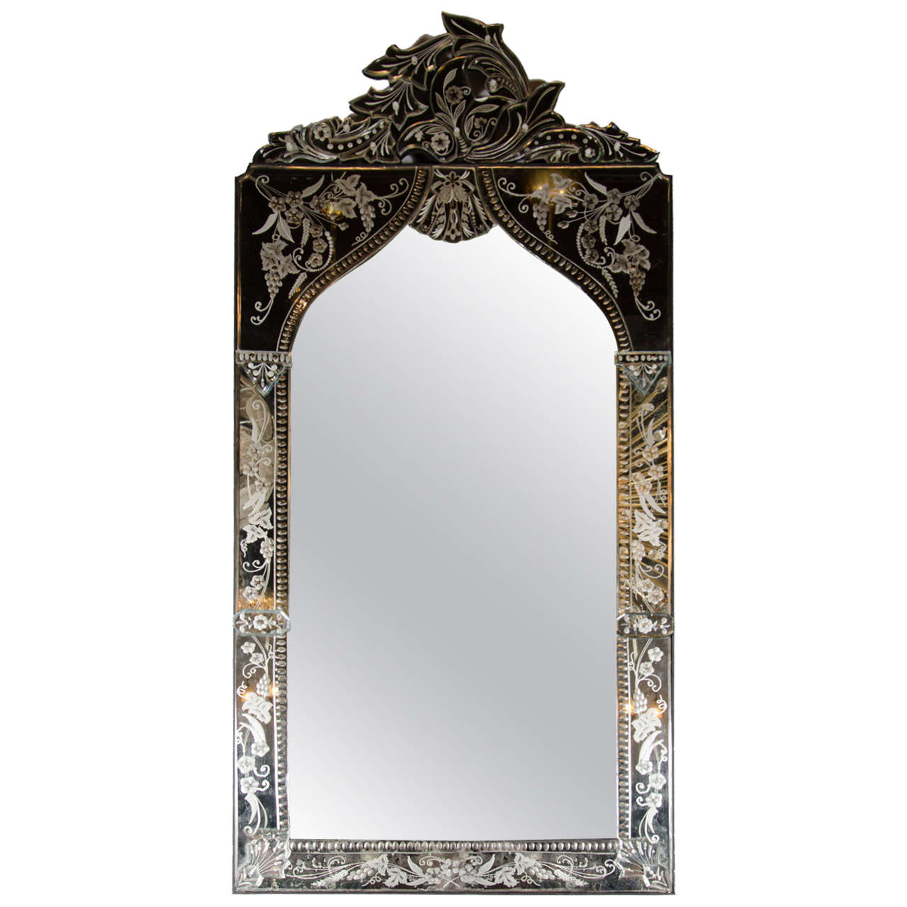 1stdibs Wall Mirror – Venetian Arabesque Style Reverse Regarding Fashionable Venetian Style Wall Mirrors (View 20 of 20)