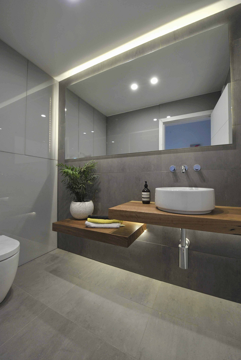 2019 Bathroom Full Wall Mirrors Inside 10 Easy And Cheap Cool Ideas: Wall Mirror Luxury Master Bedrooms (View 12 of 20)