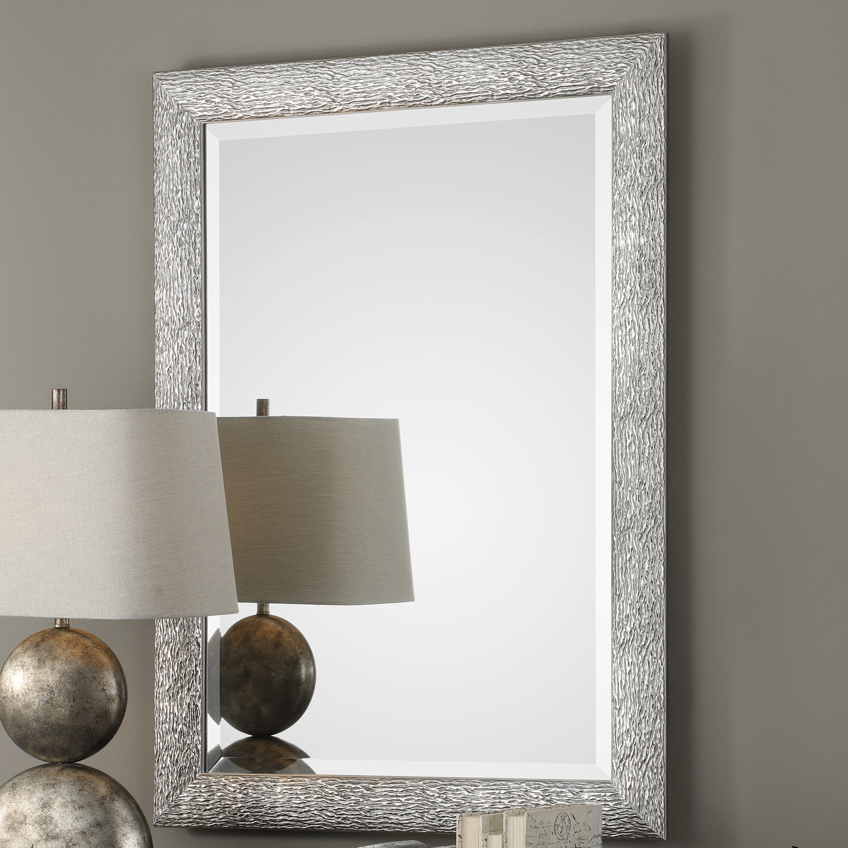Abdul Accent Mirrors Regarding Best And Newest Kyson Mossley Accent Mirror (View 3 of 20)