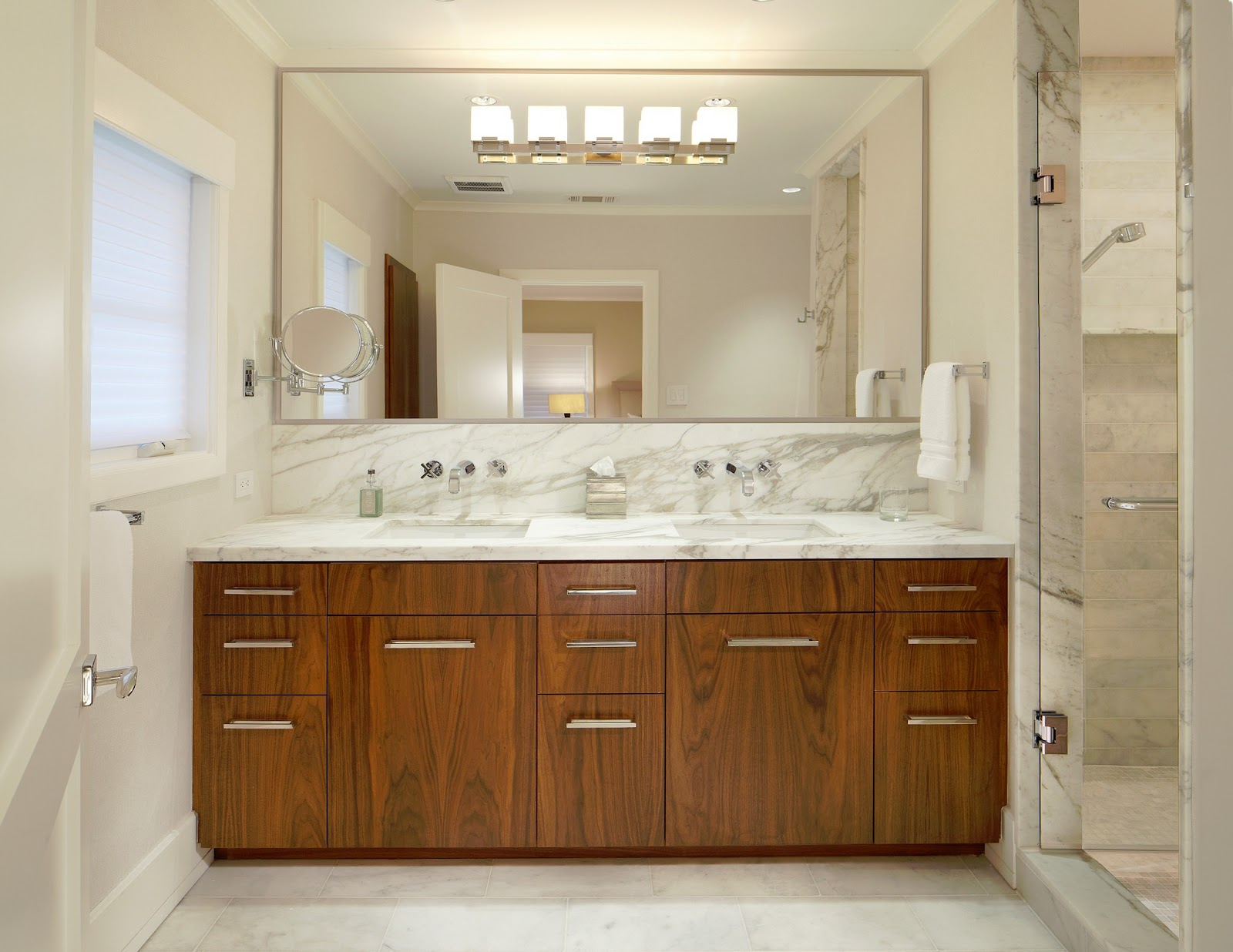 Agreeable Large White Mirrored Bathroom Cabinet Corner Ideas Intended For 2020 Wall Mirrors For Bathroom Vanities (View 7 of 20)
