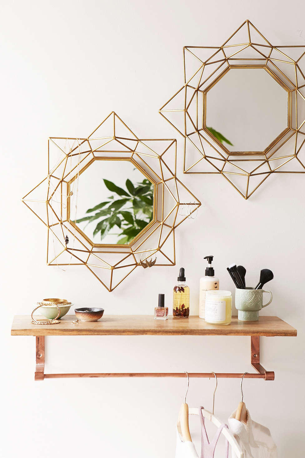 Featured Photo of Stylish Wall Mirrors