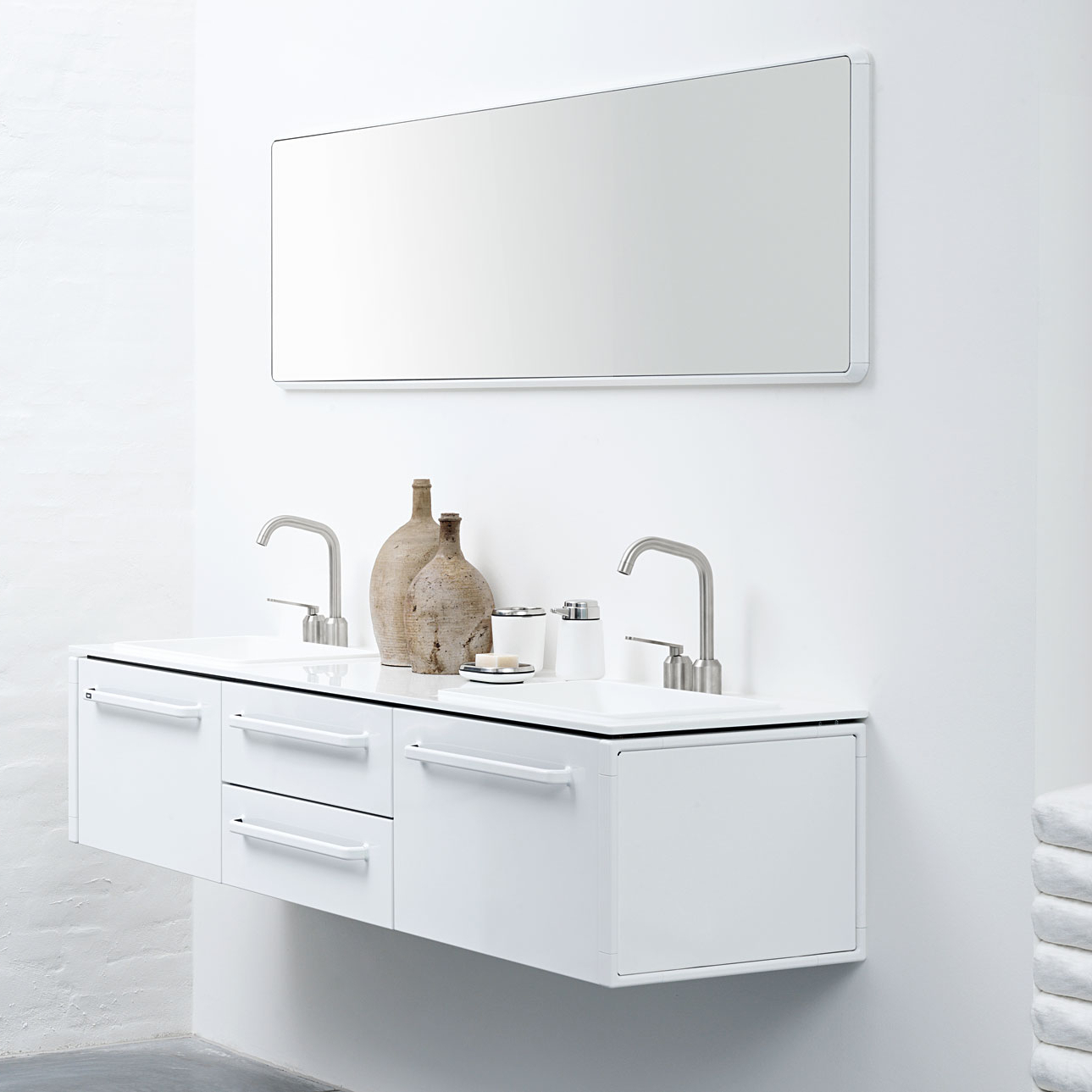 Best And Newest Vipp 913 Large Wall Mirror White With Regard To Large Bathroom Wall Mirrors (View 13 of 20)