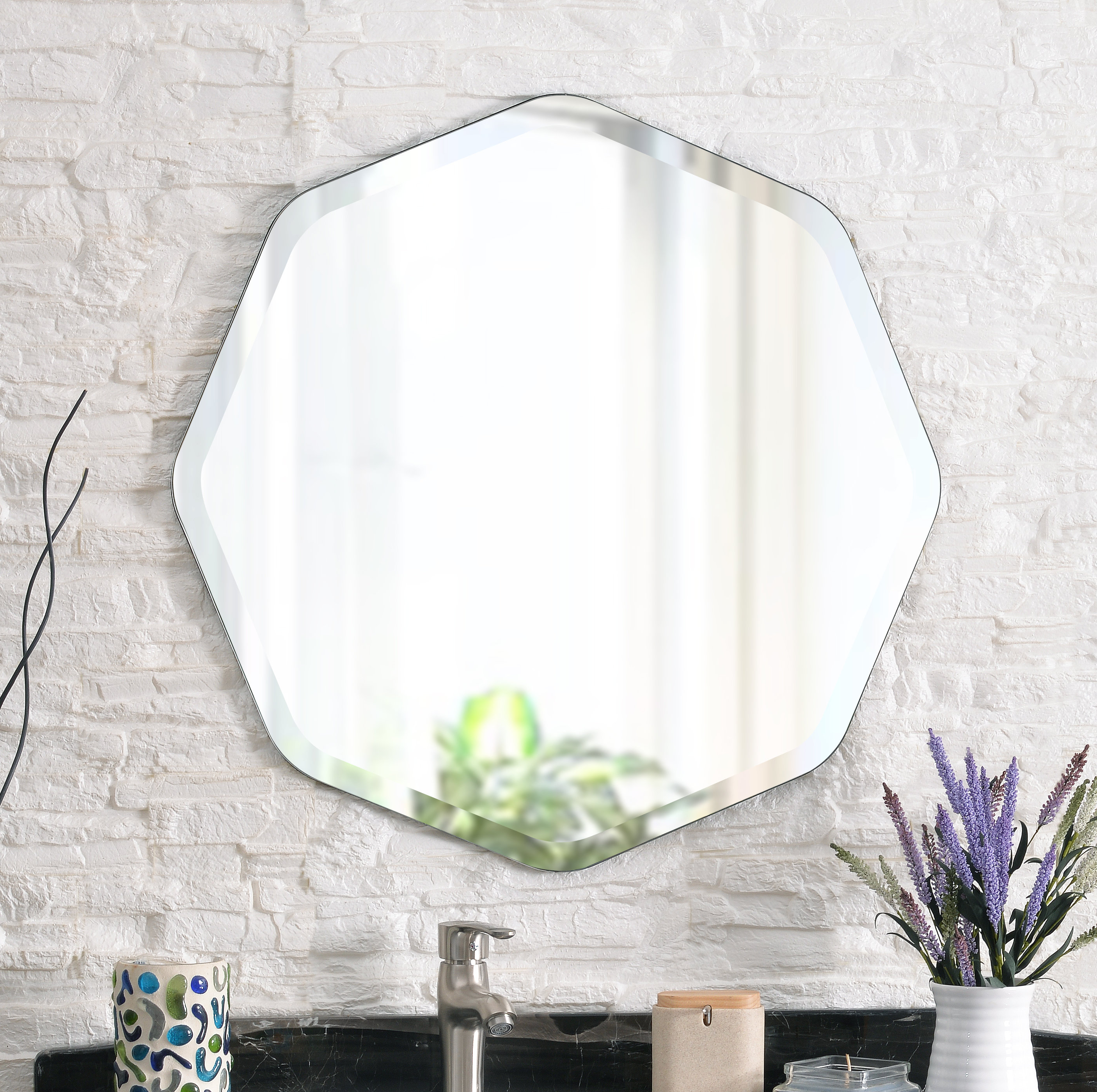 Broadmeadow Glam Accent Wall Mirrors Pertaining To Popular Mccloud Glam Accent Mirror (View 5 of 20)