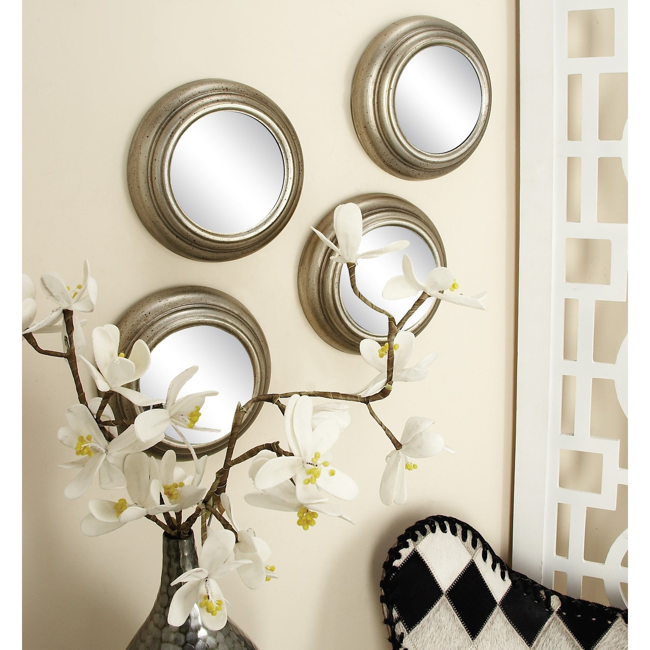 Decorative Contemporary Wall Mirrors Within Favorite Set Of 12 Contemporary Round Decorative Wall Mirrorsstudio 350 – Silver (View 7 of 20)