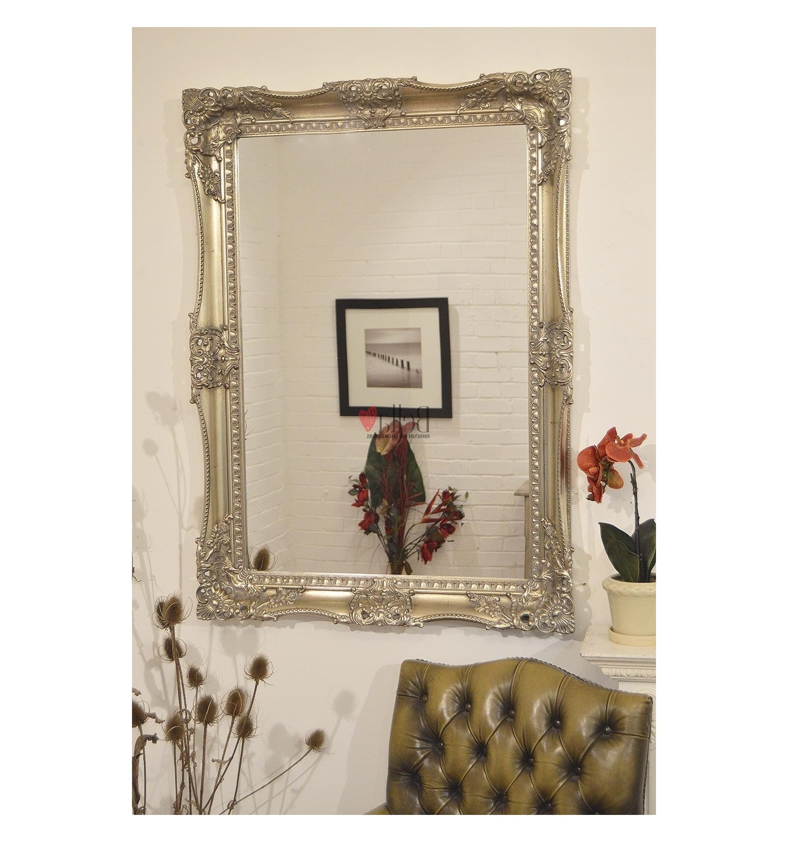Decorative Framed Wall Mirrors Inside Most Recent Antique Wall Mirror With A Decorative Frame (View 17 of 20)