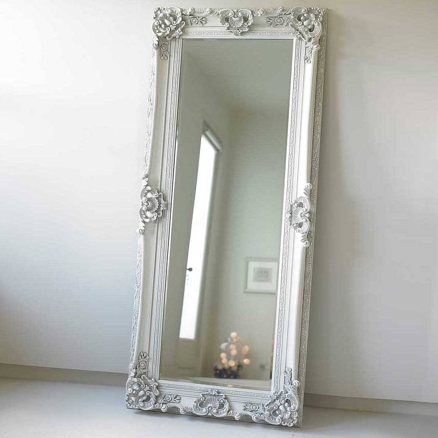 Distressed Standing Floor Mirror In Wood Vintage White Wall Mirrors In Trendy White Long Wall Mirrors (View 7 of 20)