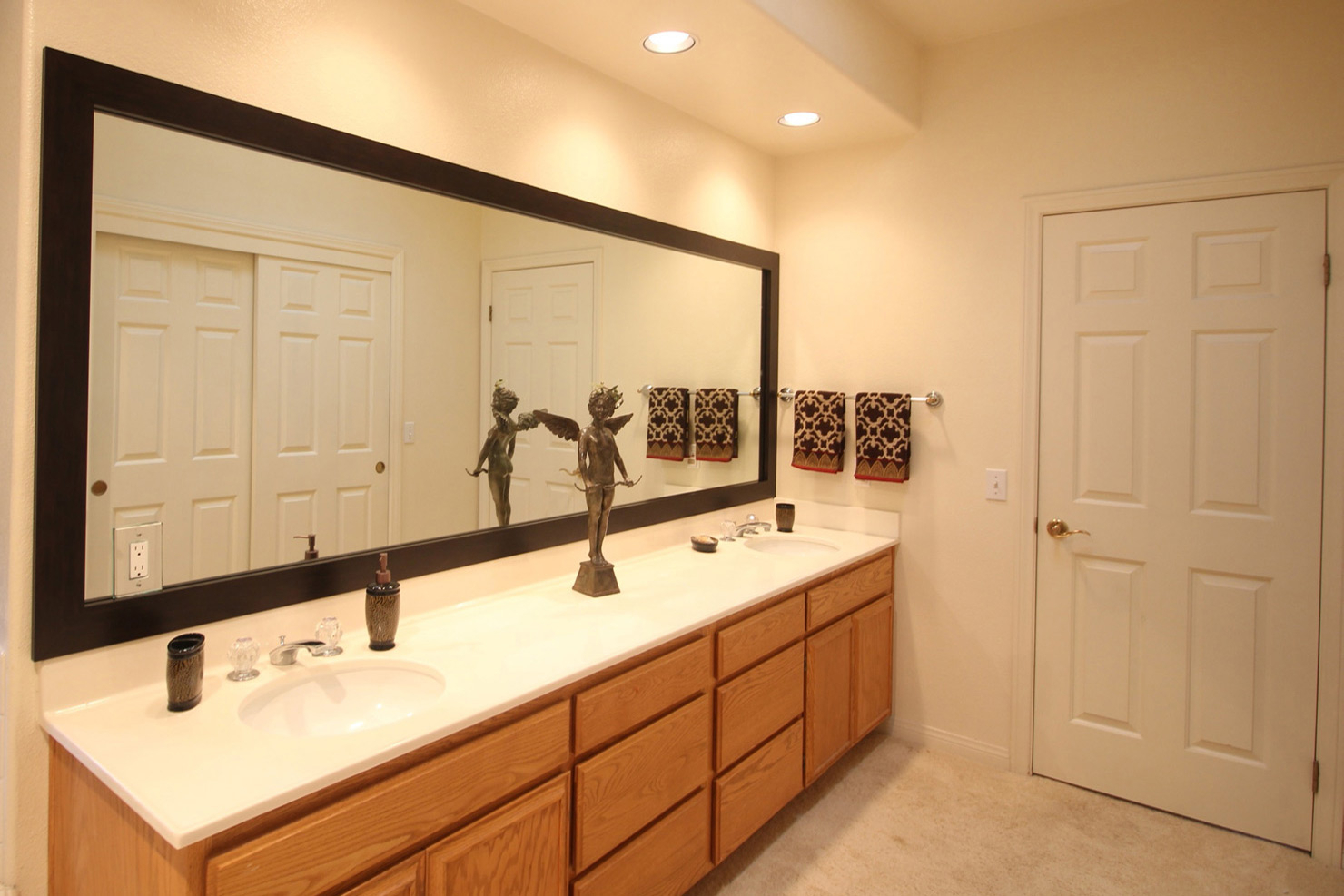 Famous Framing A Bathroom Mirror How Glass With Molding Decoration Large In Big Size Wall Mirrors (View 7 of 20)