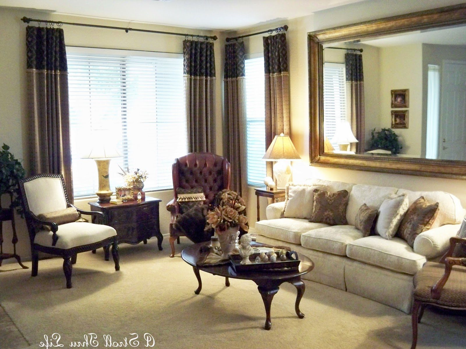 Famous Triple Oval Wall Mirrors Regarding Living Room Mirror Wall With Large Triple Collage Gold Oval (View 9 of 20)