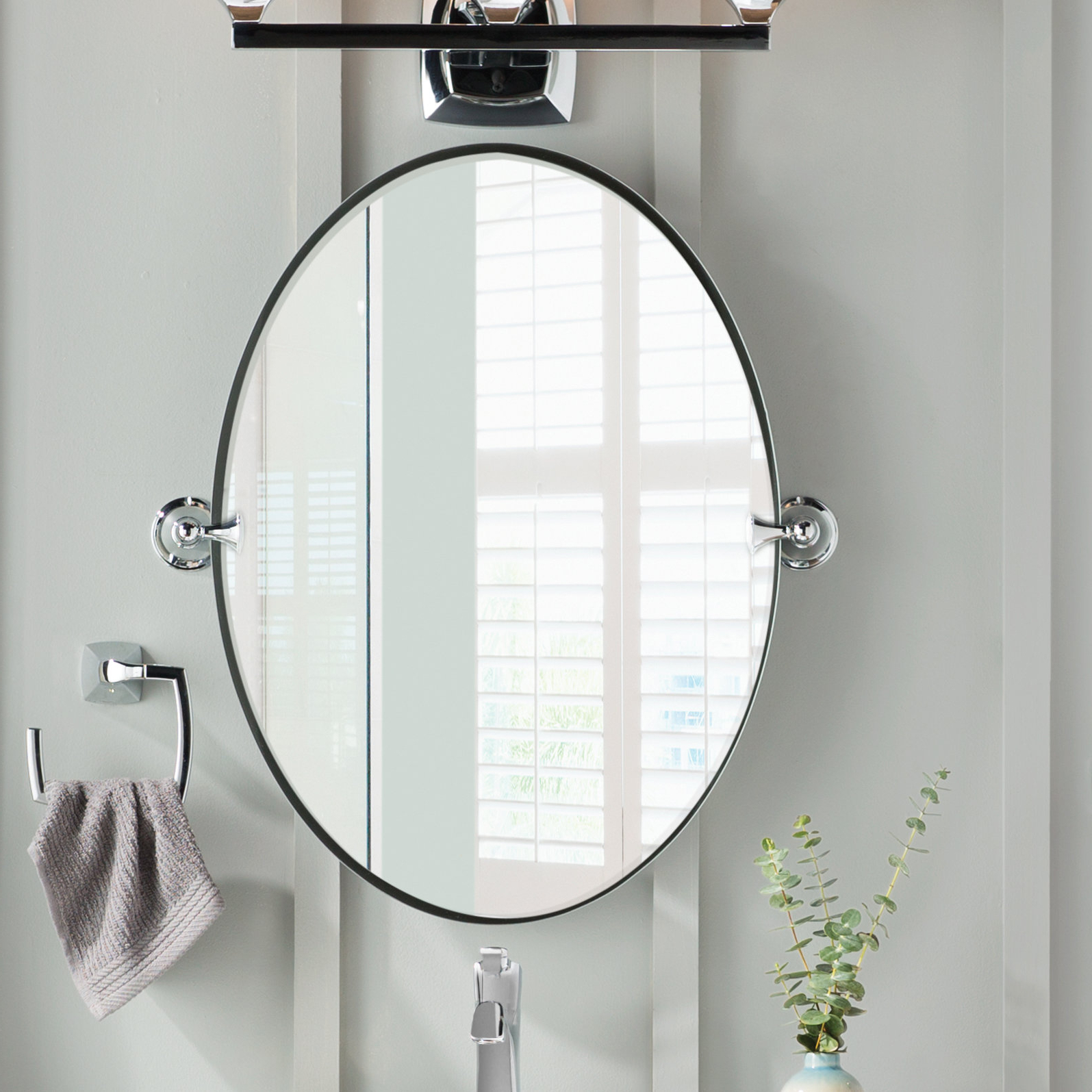 Fashionable Chrome Wall Mirrors Pertaining To Glenshire Contemporary Beveled Frameless Vanity Mirror (View 19 of 20)
