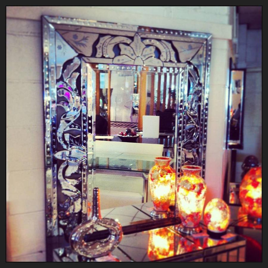 Fashionable Venetian Style Wall Mirror Regarding Venetian Style Wall Mirrors (View 3 of 20)