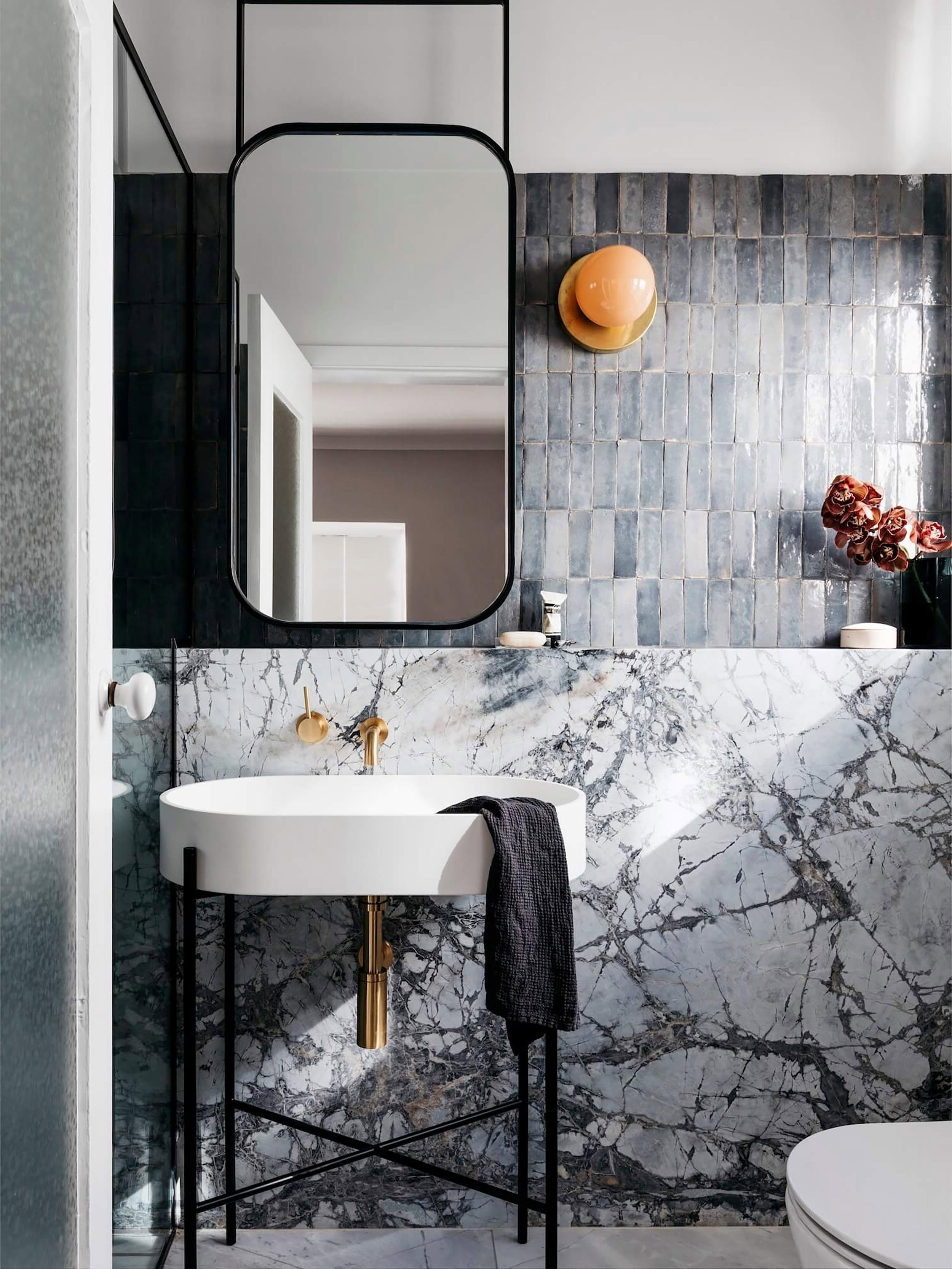 Favorite 17 Fresh & Inspiring Bathroom Mirror Ideas To Shake Up Your Morning With Modern Rectangular Wall Mirrors (View 6 of 20)