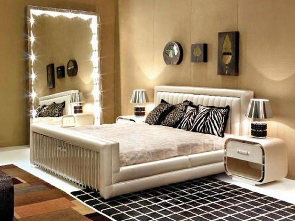 Favorite Excellent Decorative Mirrors Bedroom Wall Dressing Intended For Wall Mirrors For Bedrooms (View 15 of 20)